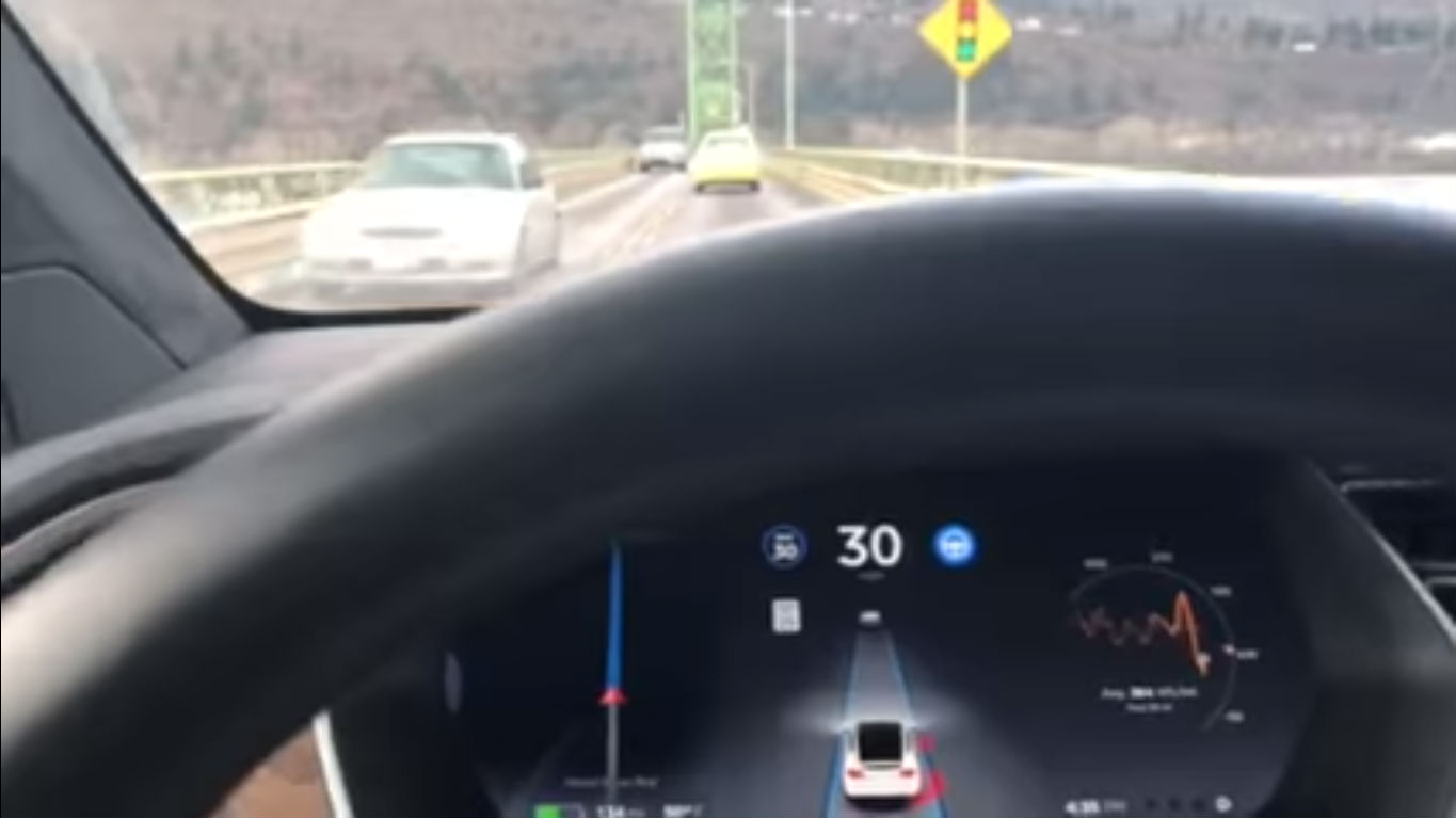 Model X AP20 Hood River Bridge [Credit: Bonnie Norman/YouTube]