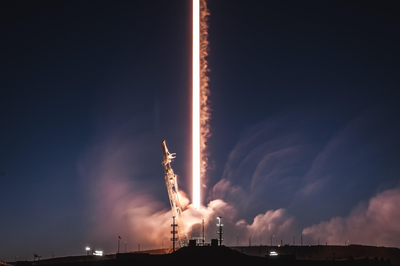 PAZ liftoff long exposure crop (SpaceX)