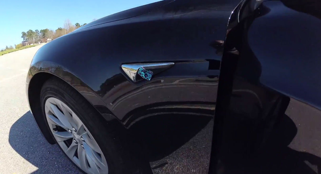 Tesla Autopilot experiment [Credit: Brian Jenkins]