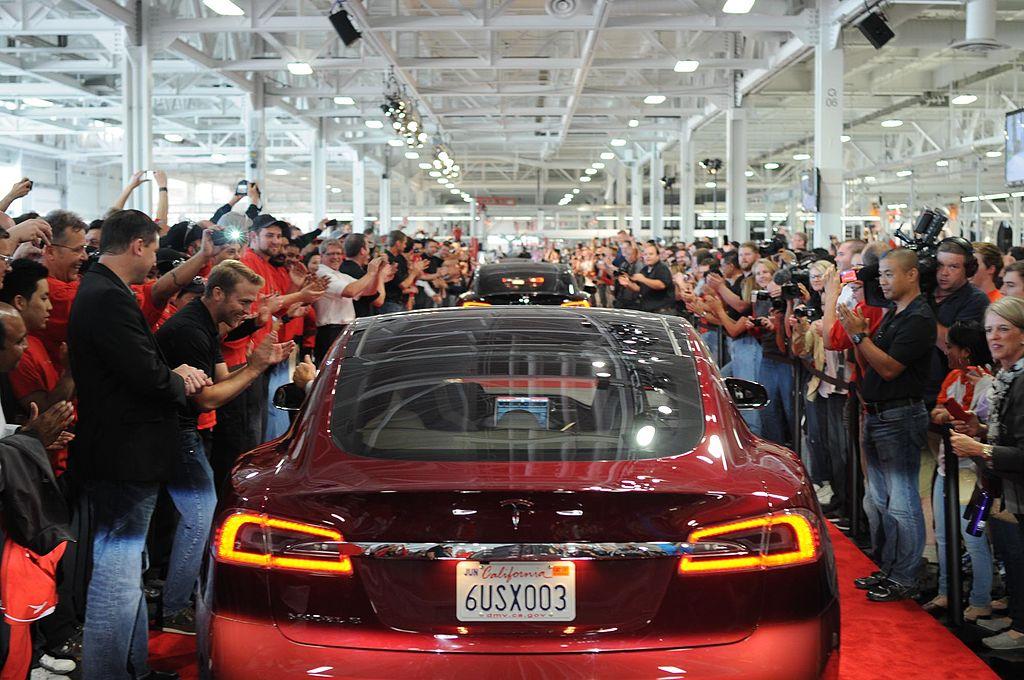 Tesla Makes Linkedin S Top 5 List For Companies Us Job Seekers