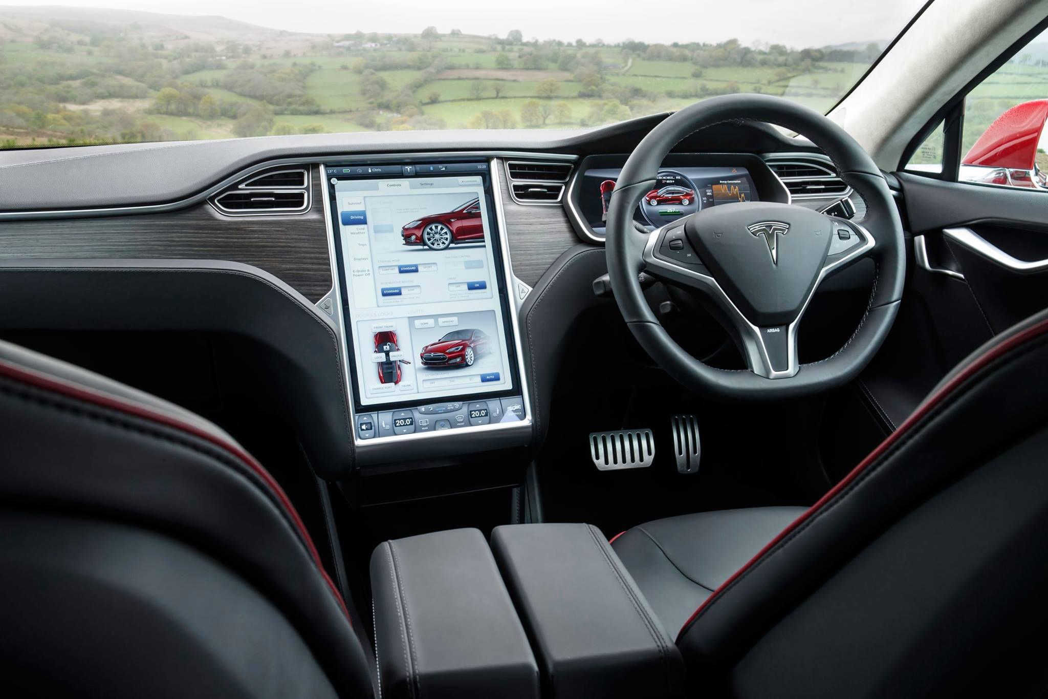 Tesla Model s RHD