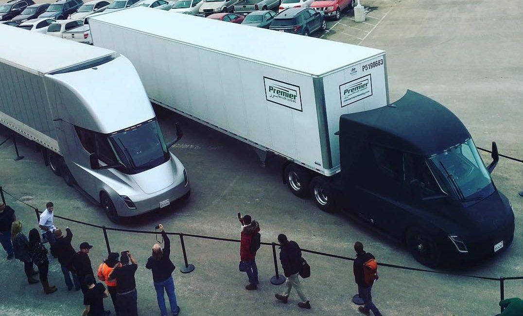 tesla-semi-trailer-gigafactory