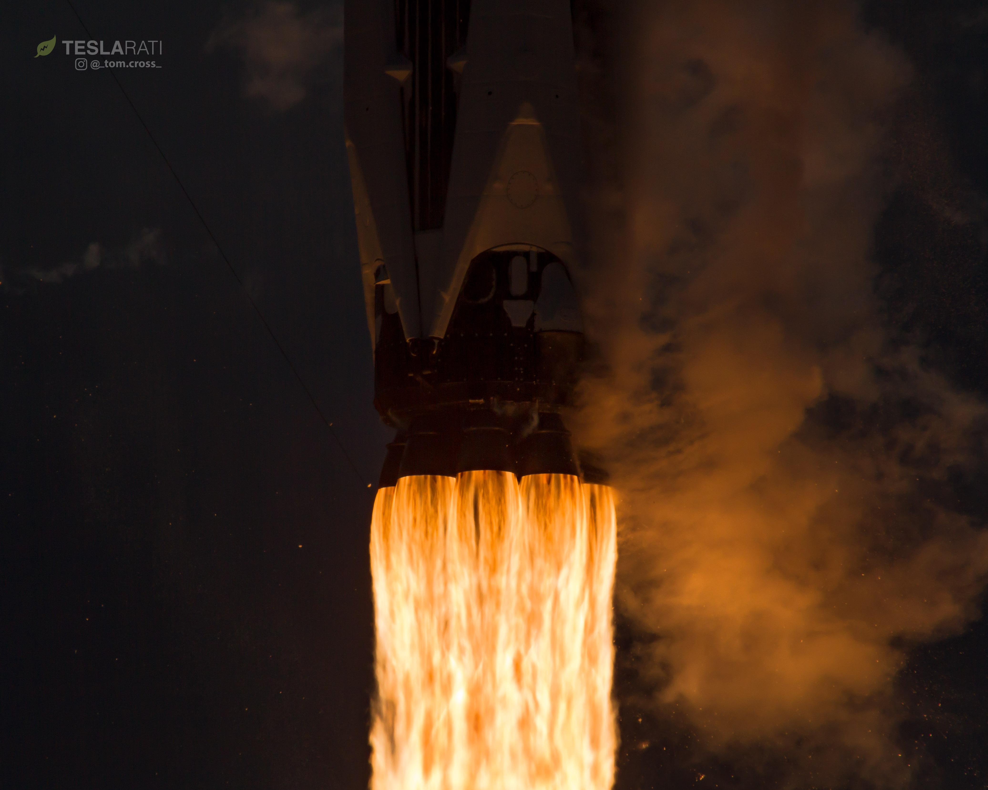 1039 CRS14 launch closeup 1 (Tom Cross)