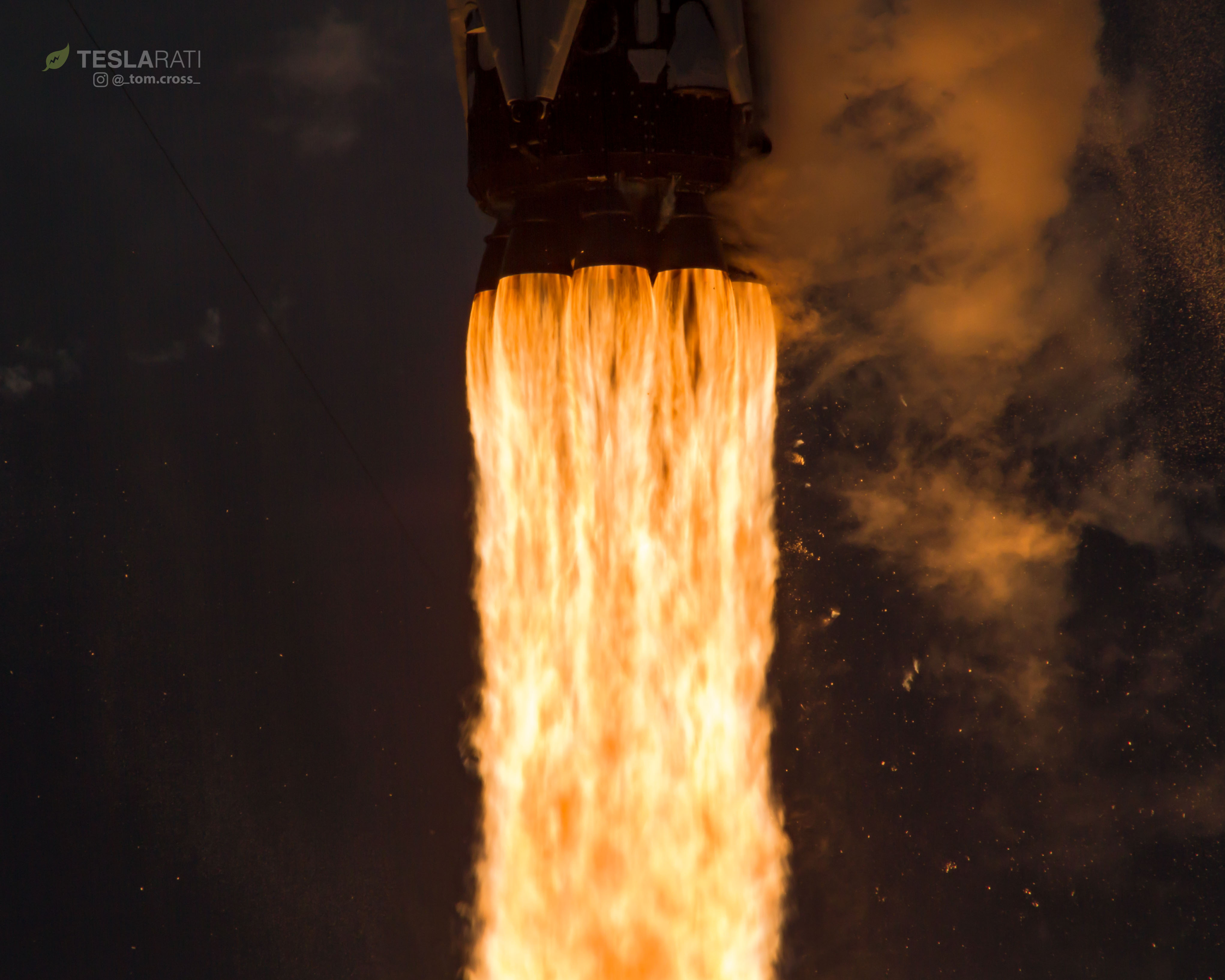 1039 CRS14 launch closeup 2 (Tom Cross)