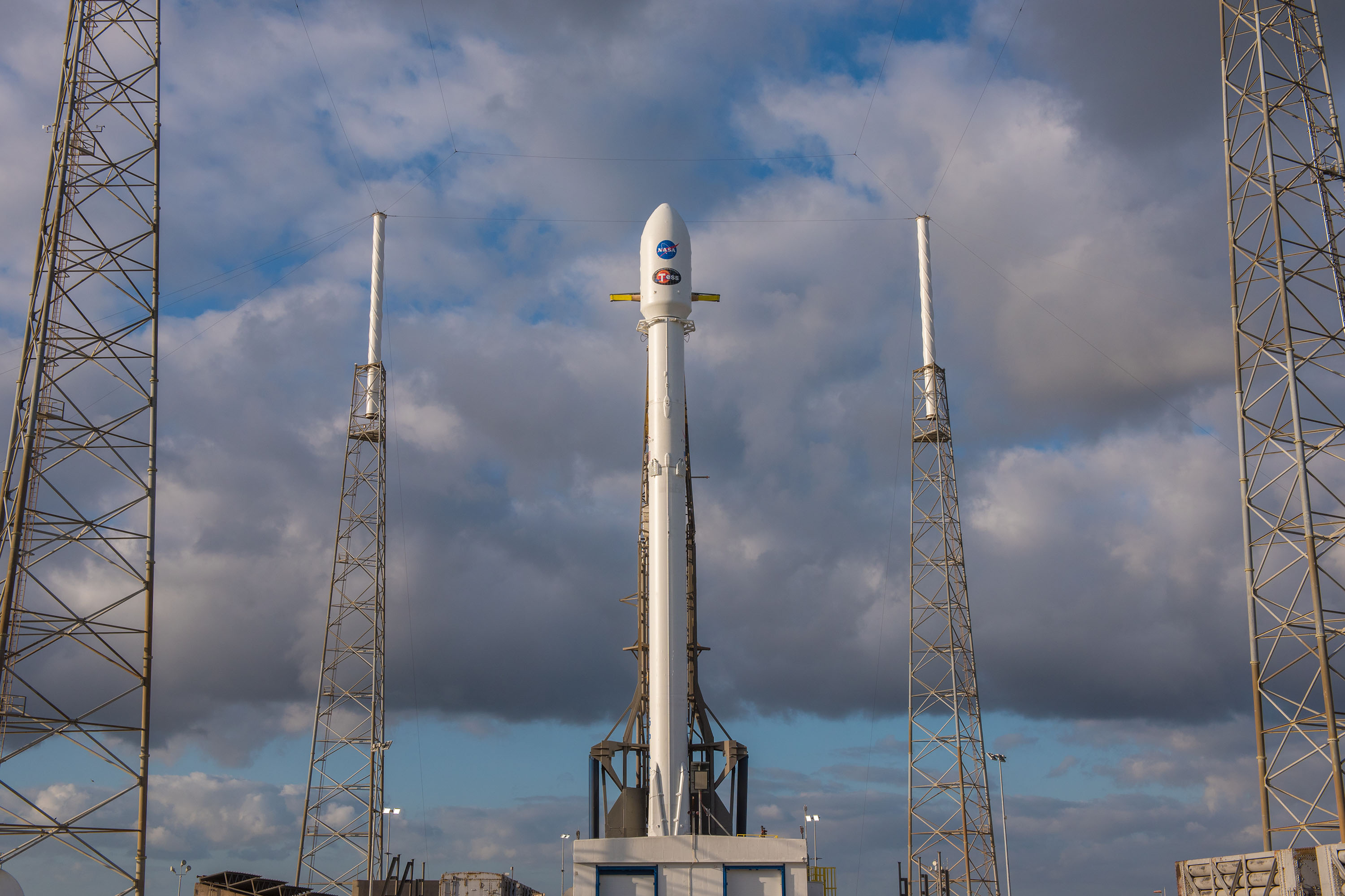 1045 vertical (SpaceX)