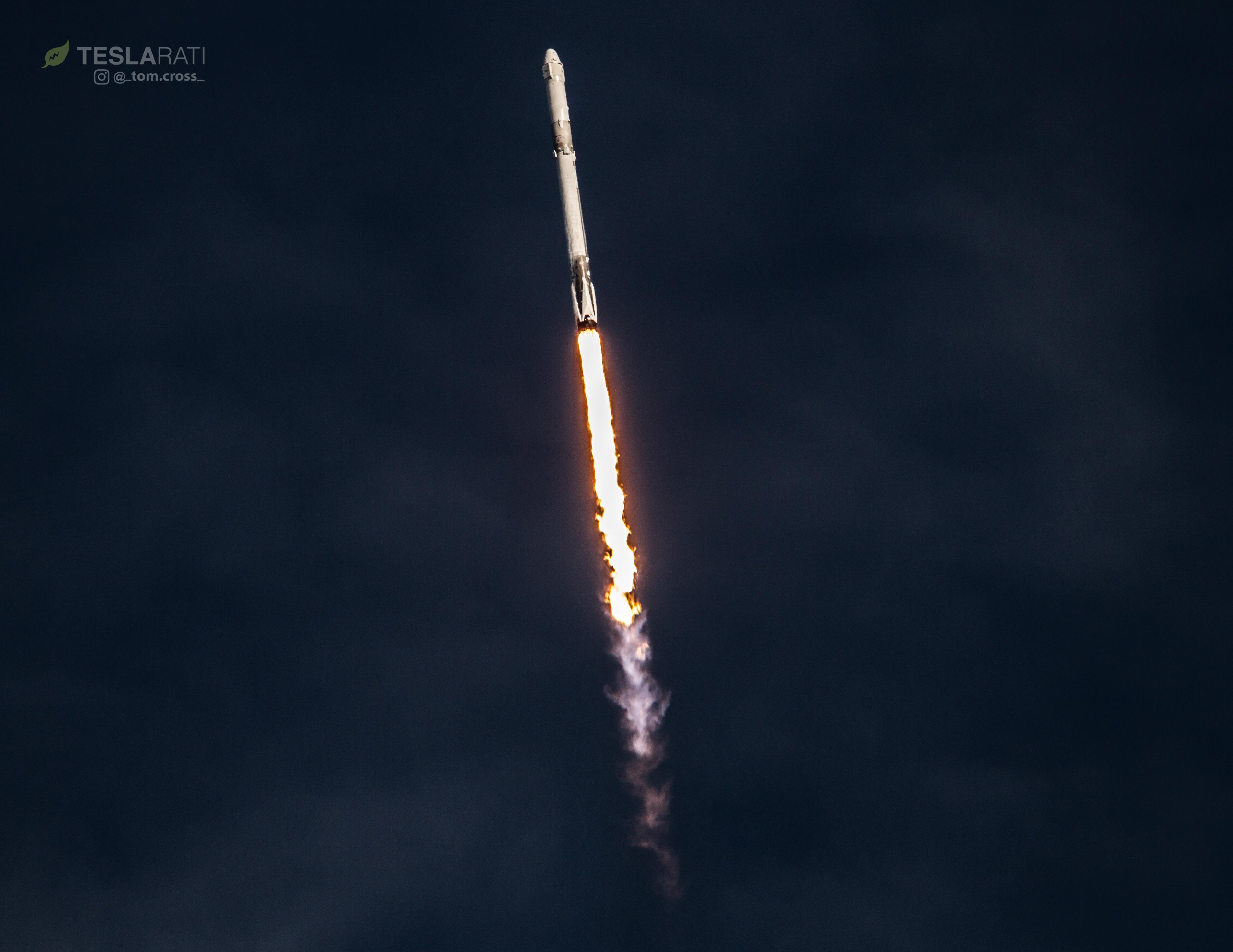 CRS-14 1039 liftoff VAB 4 (Tom Cross)