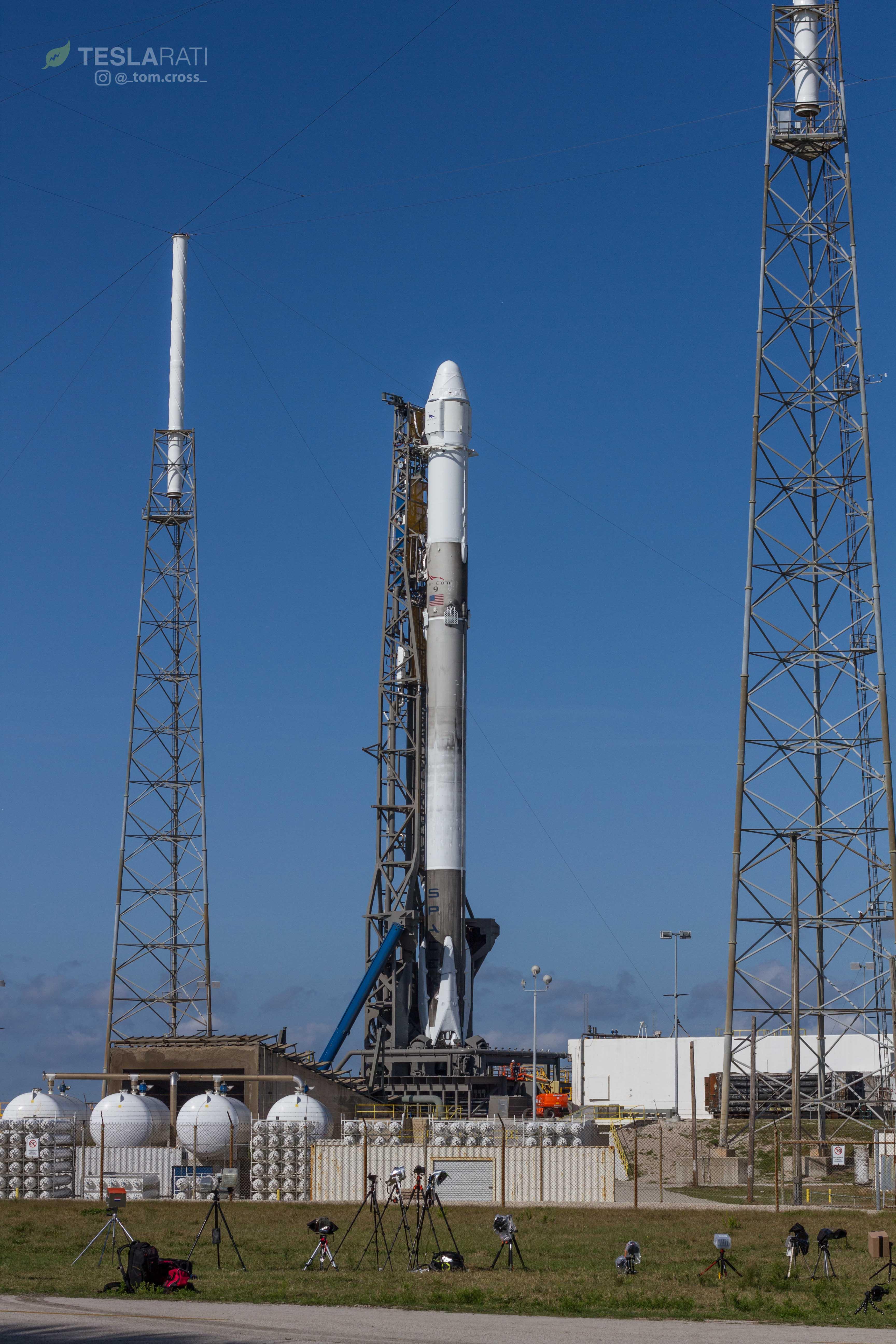 CRS-14 1039 on pad 1 (Tom Cross)