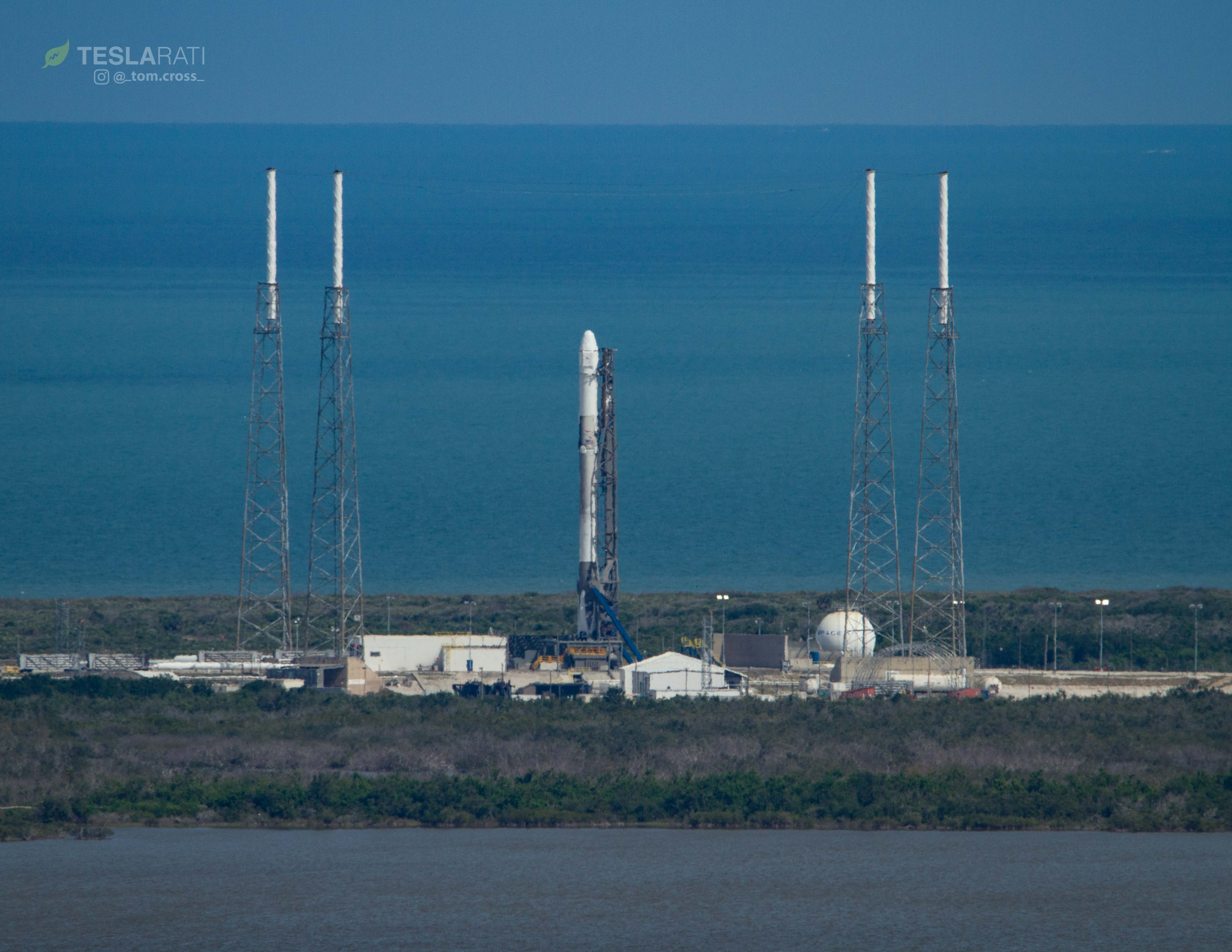 CRS-14 1039 prelaunch VAB 1 (Tom Cross)