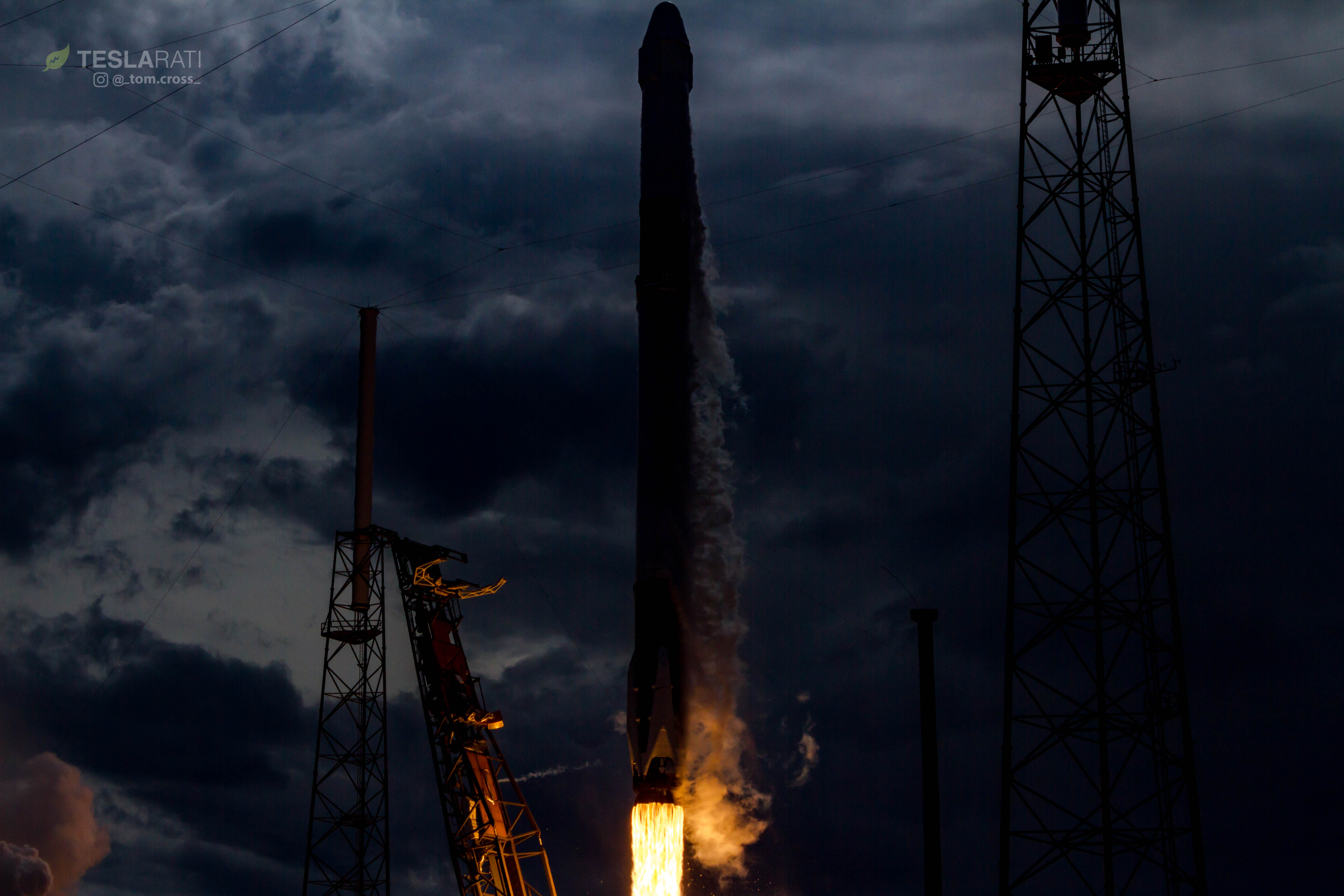 Falcon 9 1039 CRS14 sequence 4 (Tom Cross)