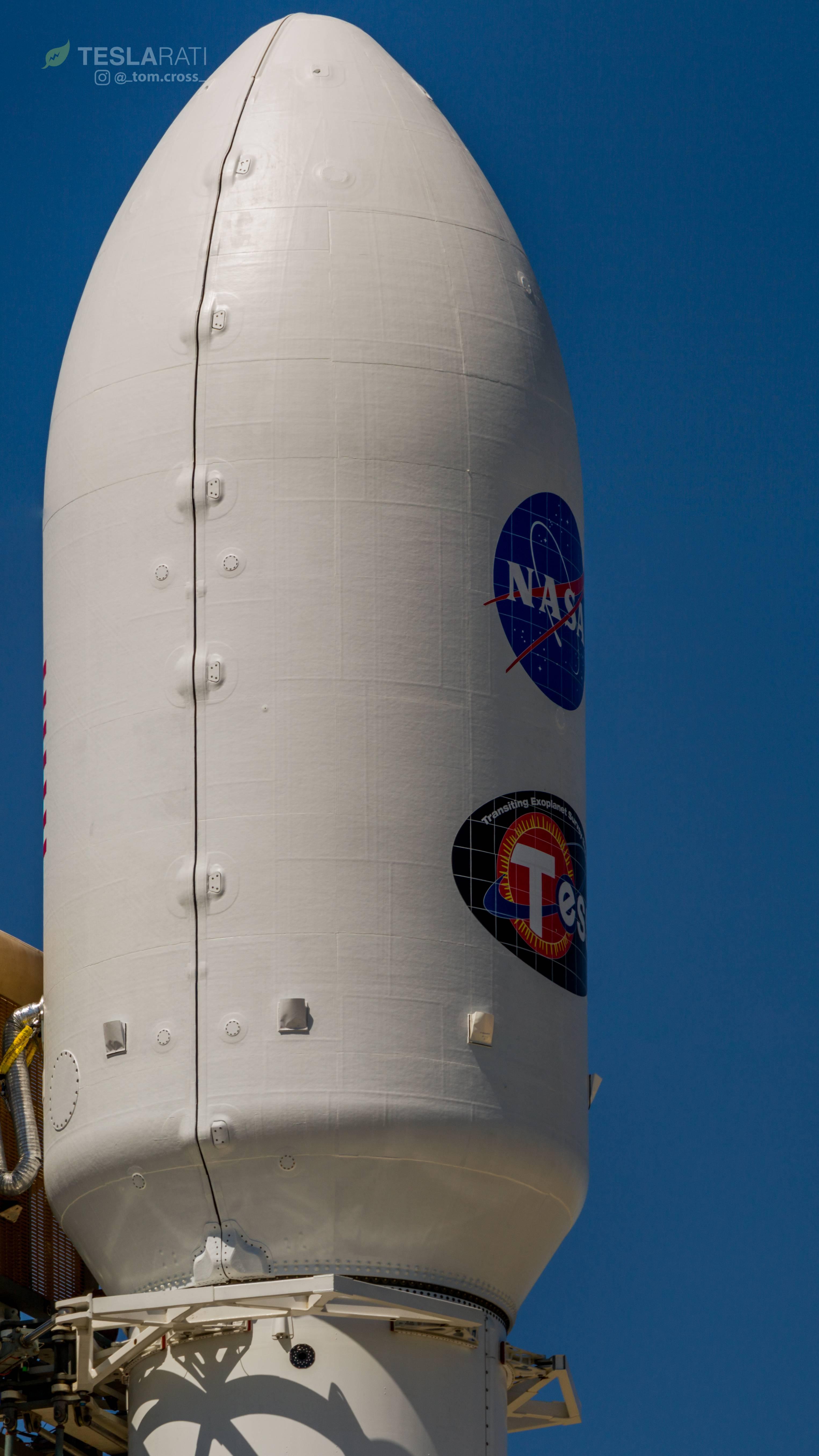 Falcon 9 1045 Tess Fairing Details Tom Cross C Teslarati