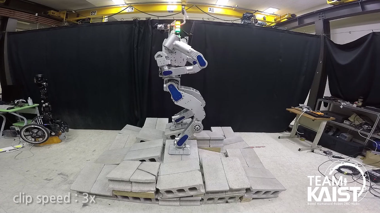 KAIST DARPA robot 3 [Credit: HuboLab KAIST/YouTube]