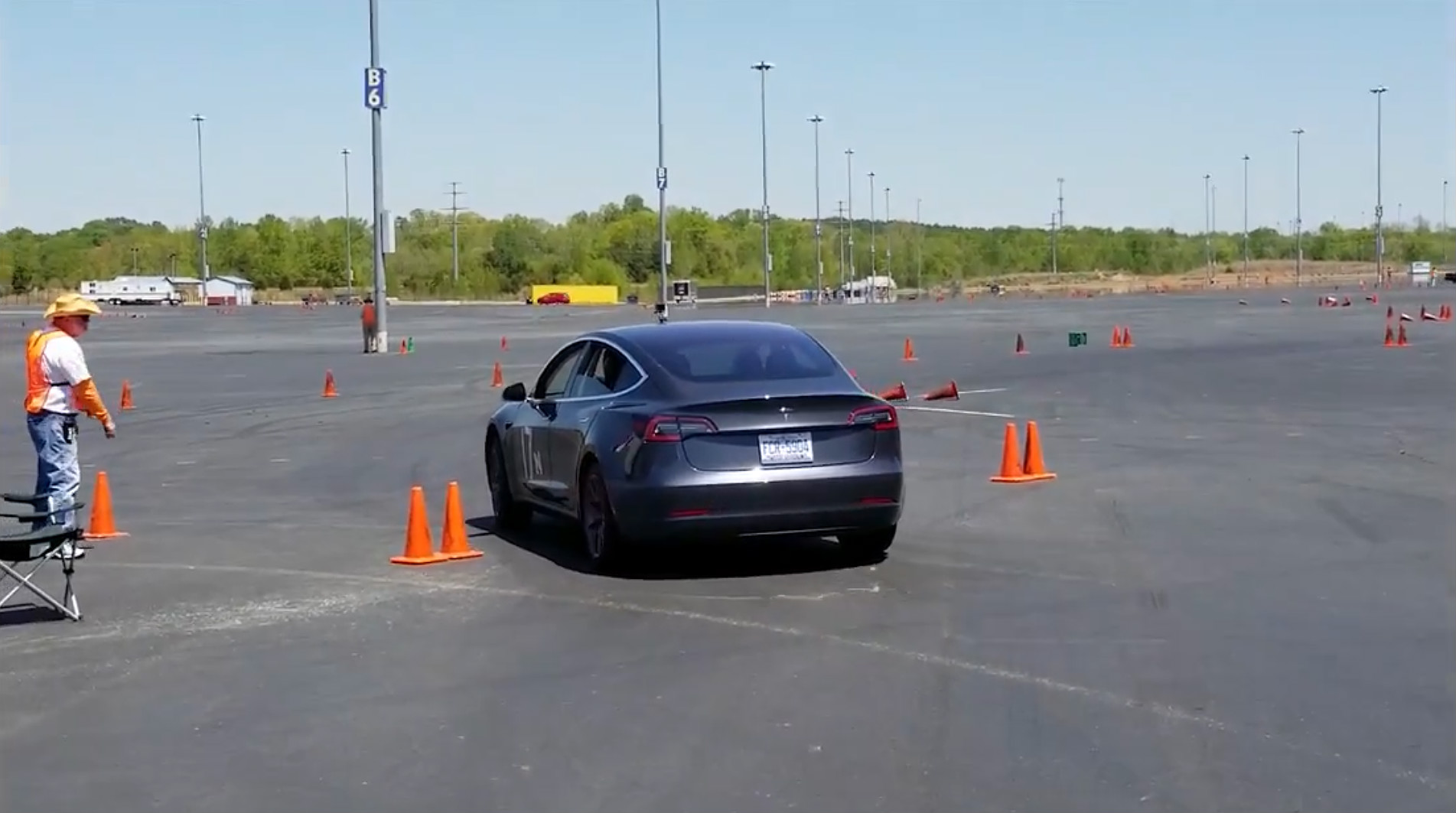 Model 3 autocross run 2 [Credit: Chestley Couch/YouTube]