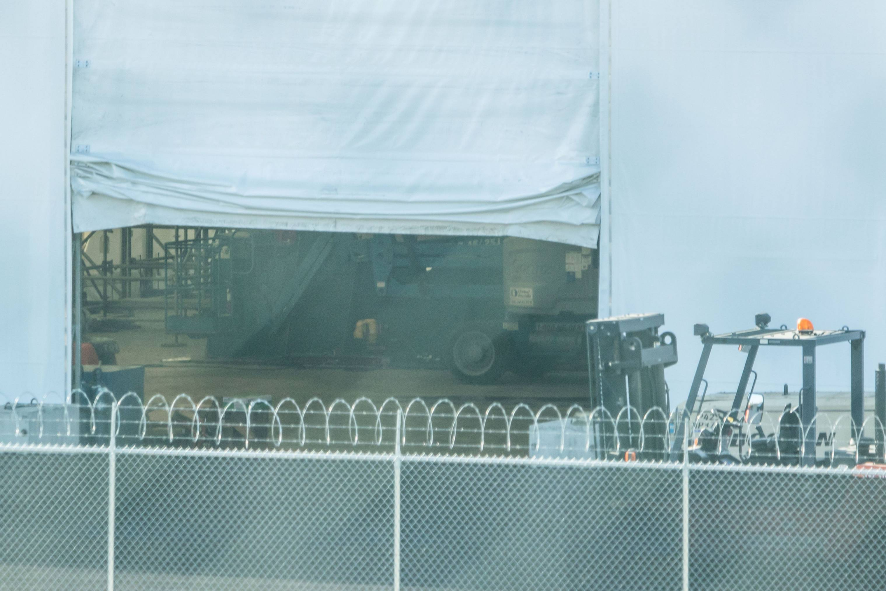 SpaceX BFR tent inside 4 (Pauline Acalin)
