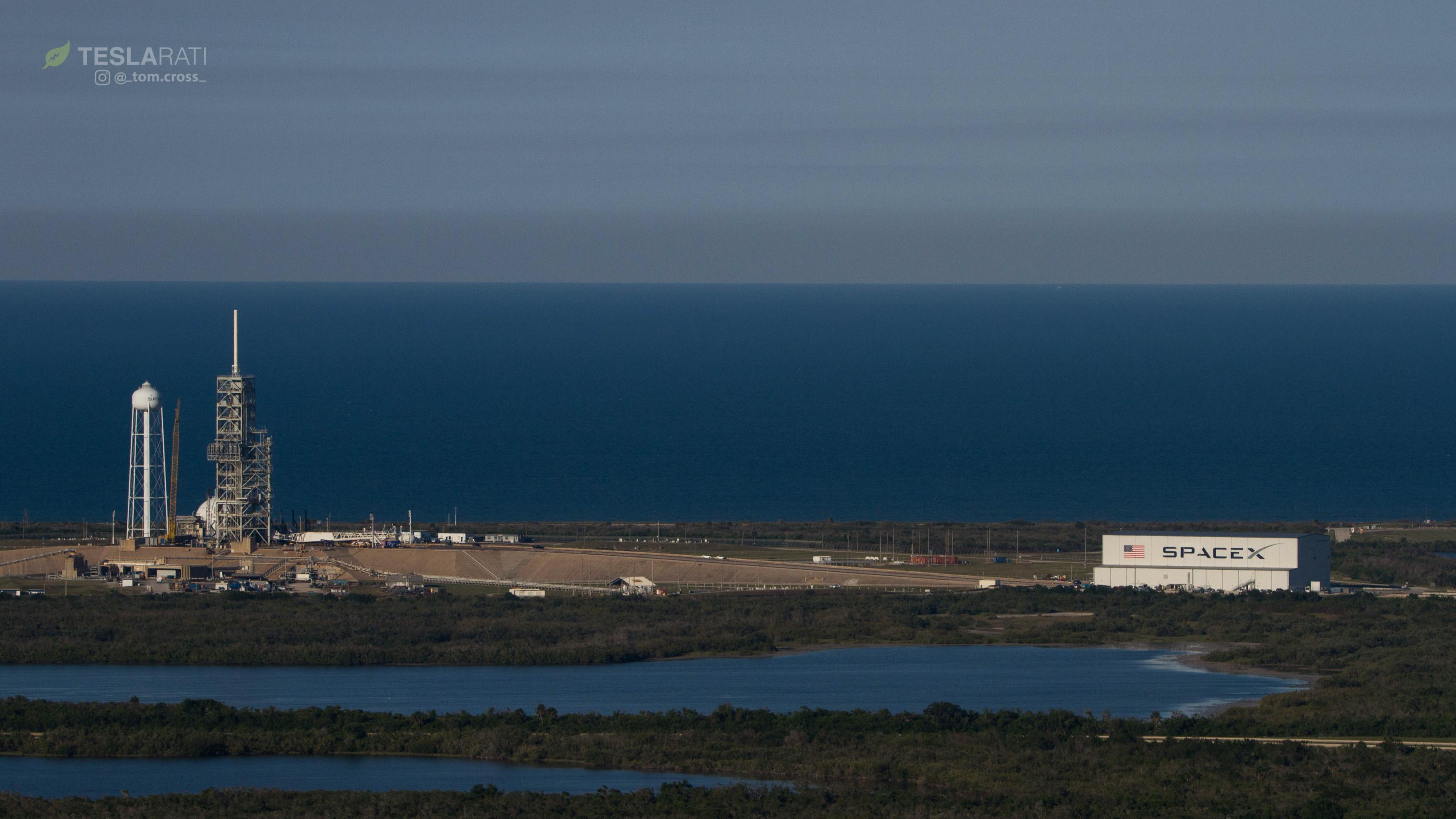 SpaceX LC-39A overview 041818 (Tom Cross)(c)