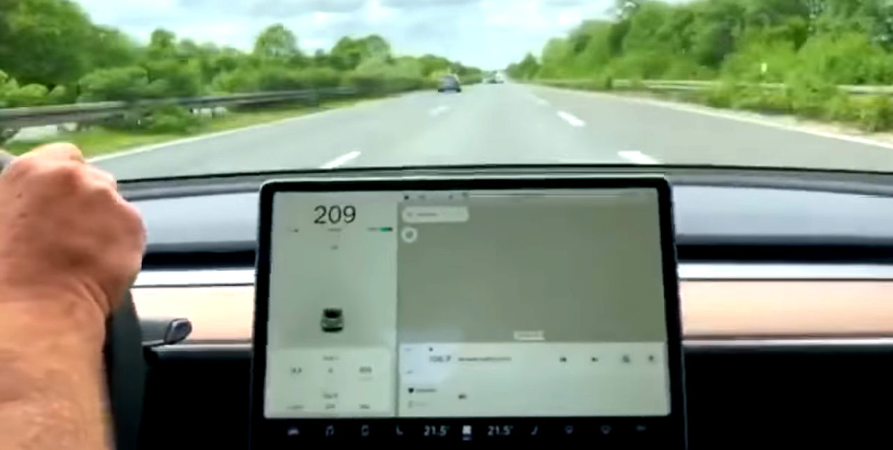 Tesla-Model-3-Top-Speed-Attempt-Autobahn
