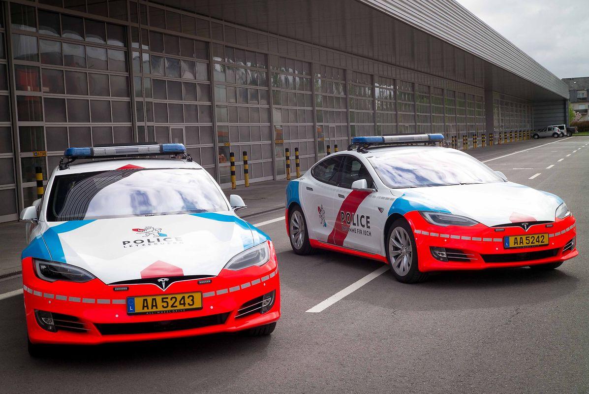 Tesla Model S Police Car 3