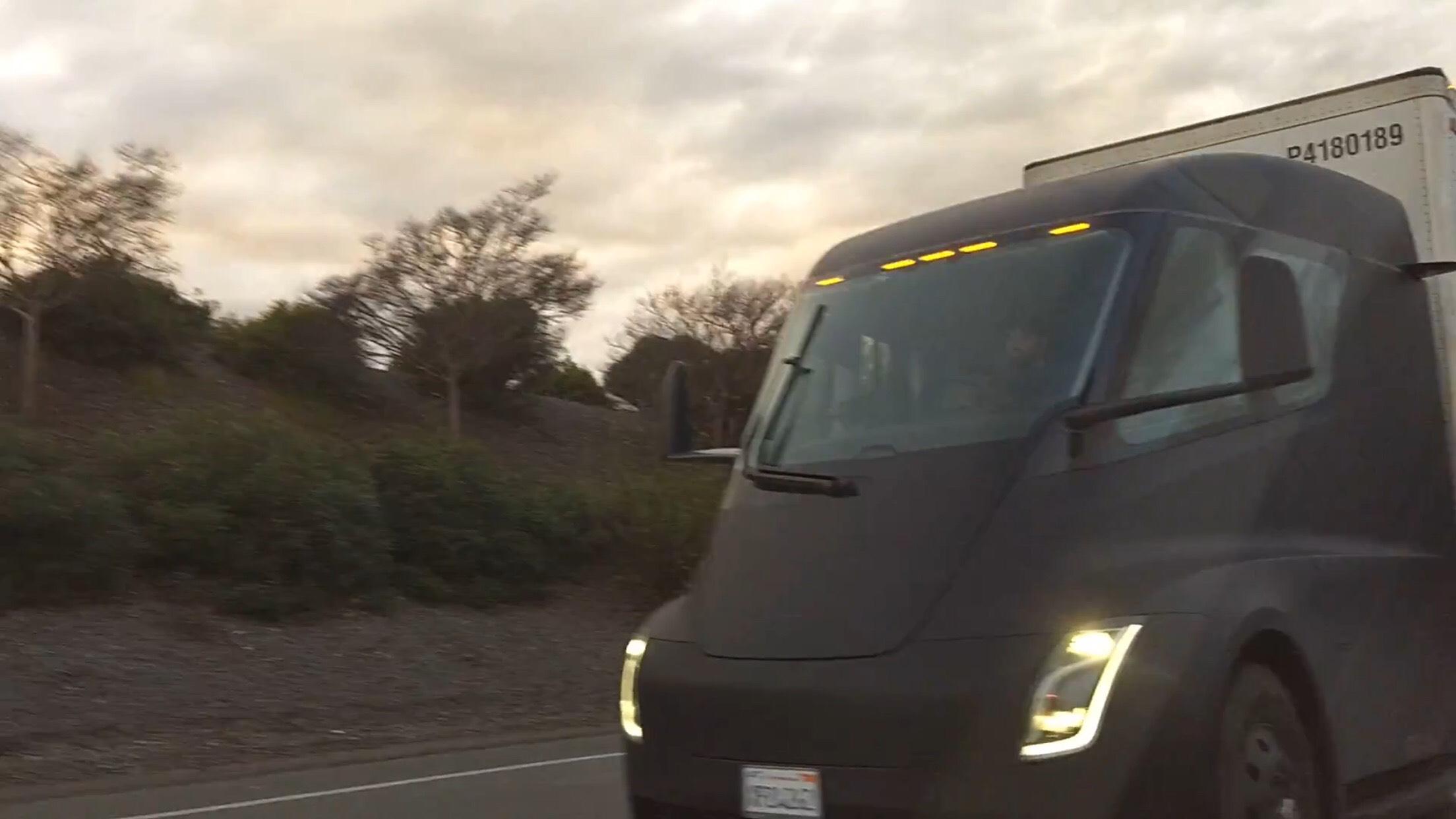 Tesla Semi Chilling highway 2 [Credit: Sergey MoldovanAmerican/YouTube]