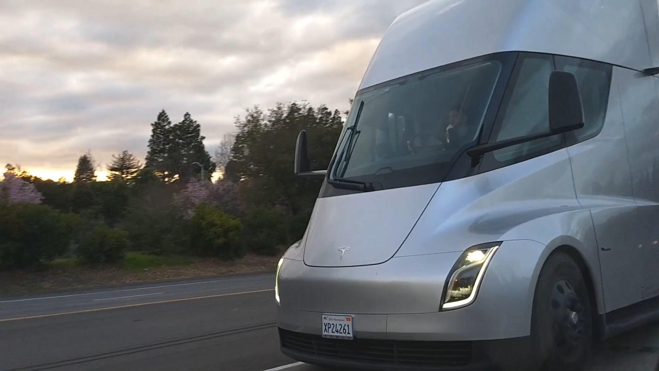 Tesla Semi chilling highway 1 [Credit: Sergey MoldovanAmerican/YouTube]