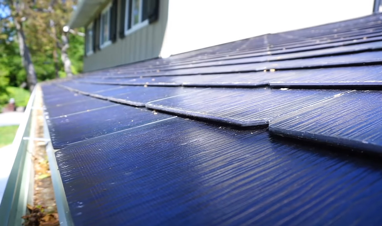Tesla Solar Roof Shingles >> Tesla Solar Roof Tile Design And Installation Showcased In First