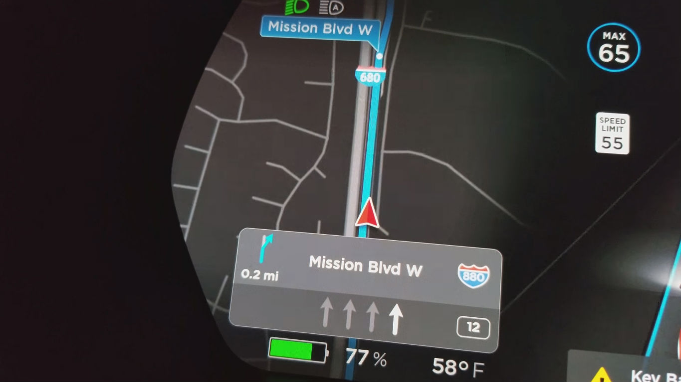 Tesla new navigation mature beta 1 [Credit: u/hkibad/Reddit]