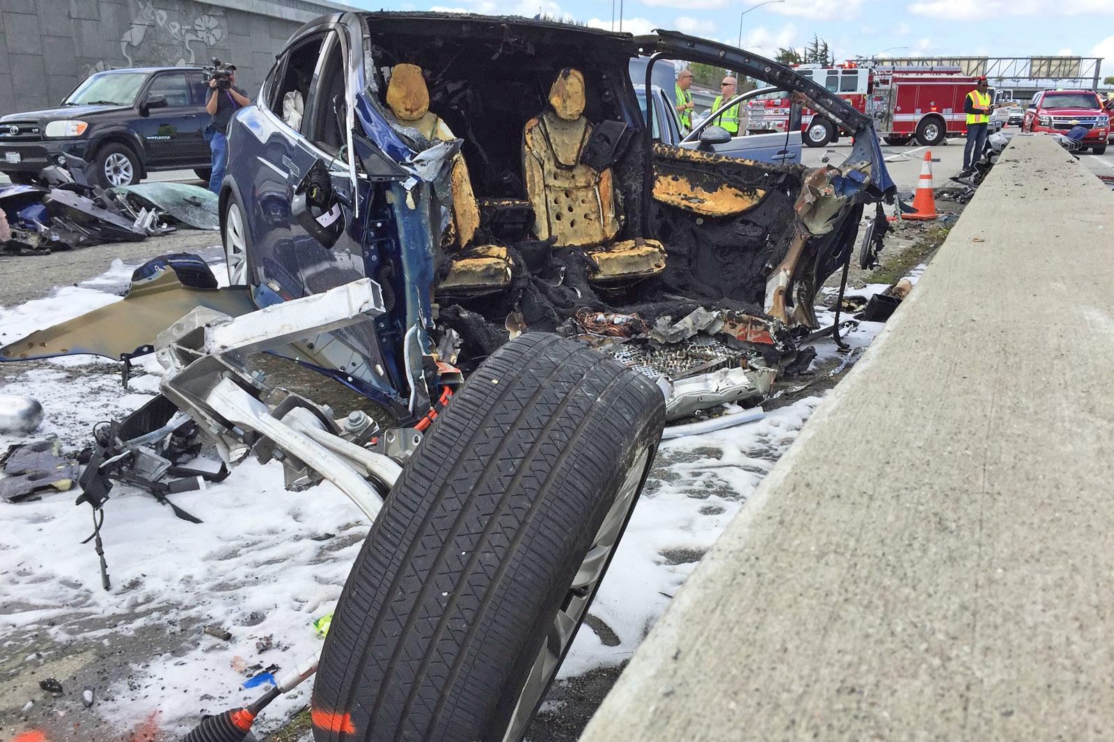 tesla-model-x-mountain-view-fatal-crash