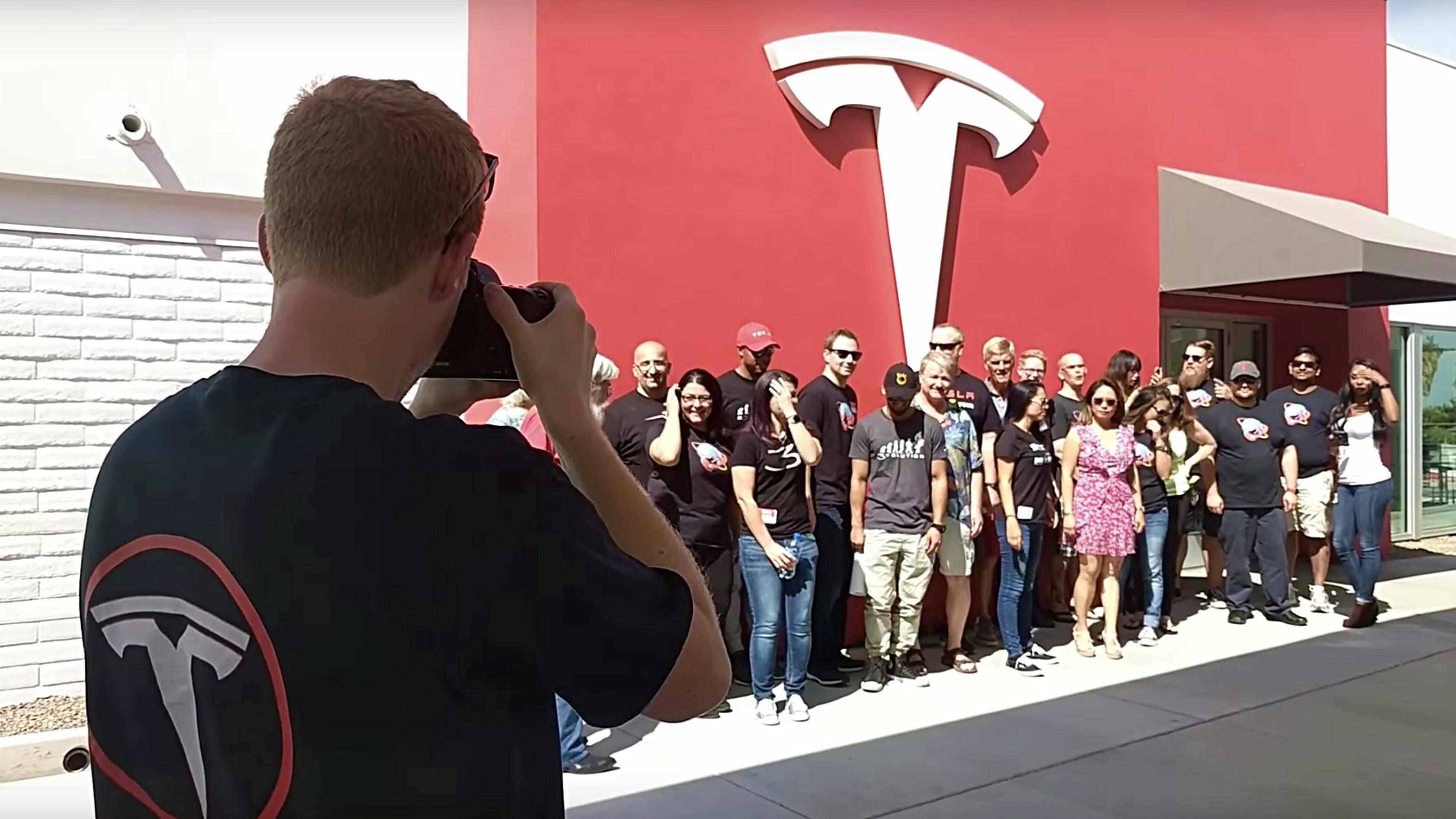 tesla-takeover-roadtrip-kettleman-city-supercharger