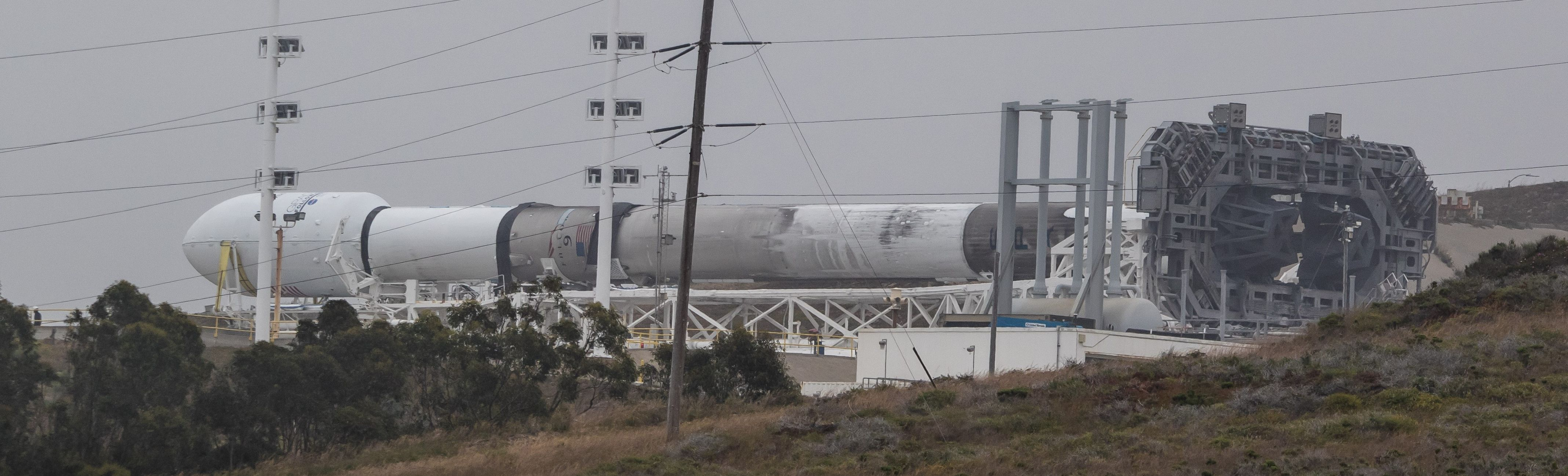Falcon 9 1043 rolls out VAFB (Pauline Acalin) 3(c)