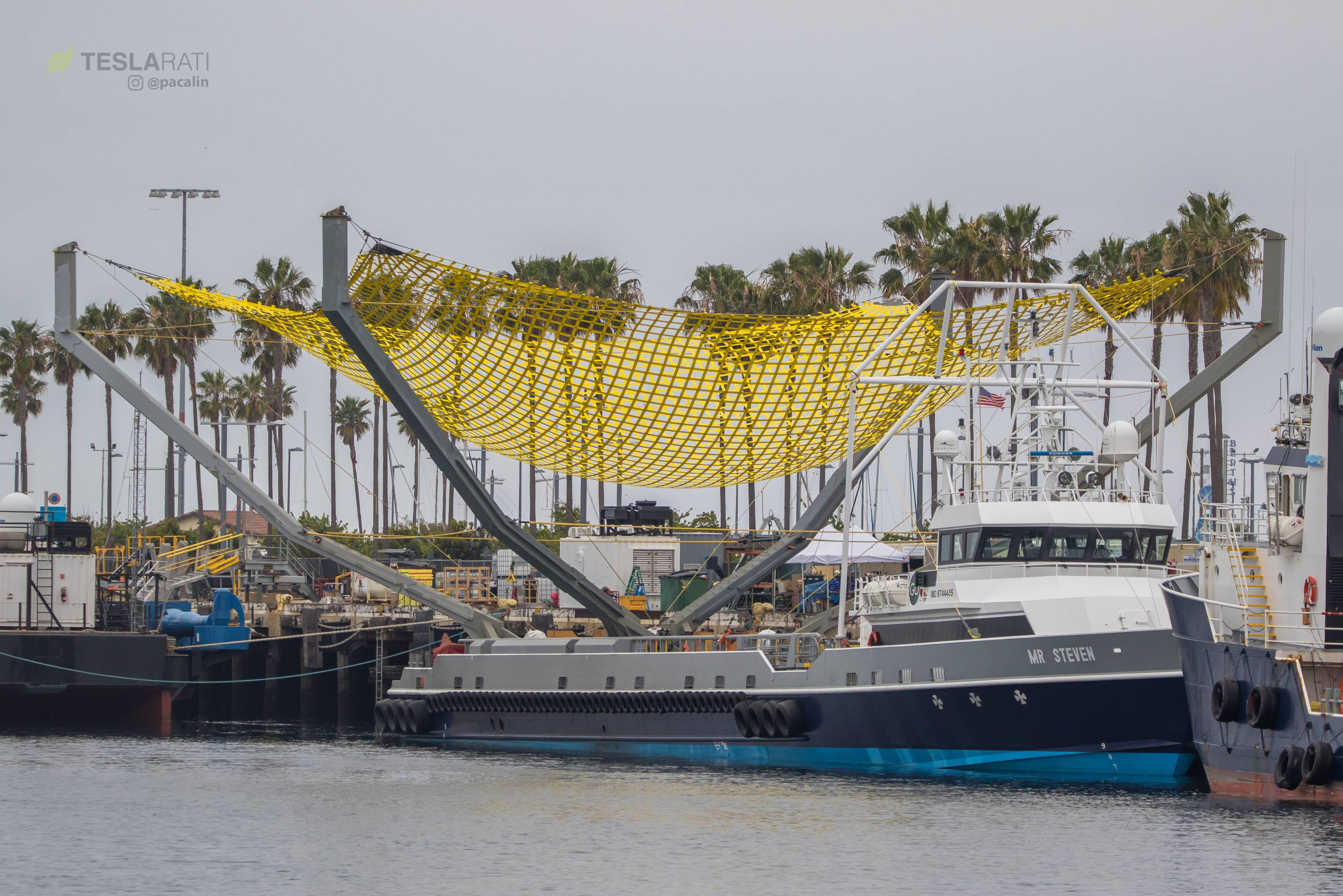 Spacex S Recovery Boat Mr Steven Has A New Net To Catch