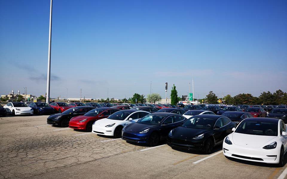 Tesla Model 3 fleet spotted en masse in Canada awaiting ...