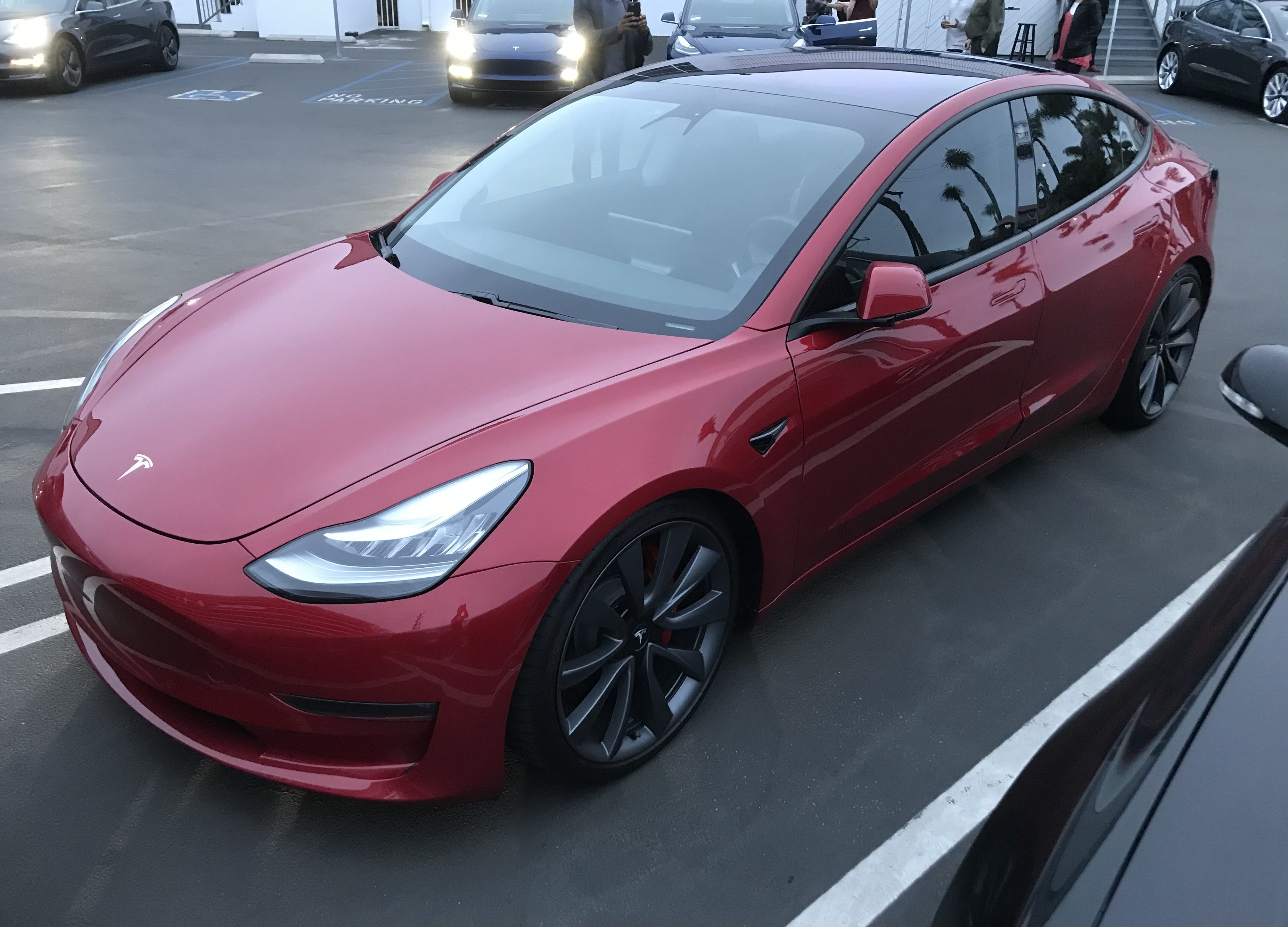 tesla reveals model 3 dual motor awd performance price and specs electric car gods. Black Bedroom Furniture Sets. Home Design Ideas
