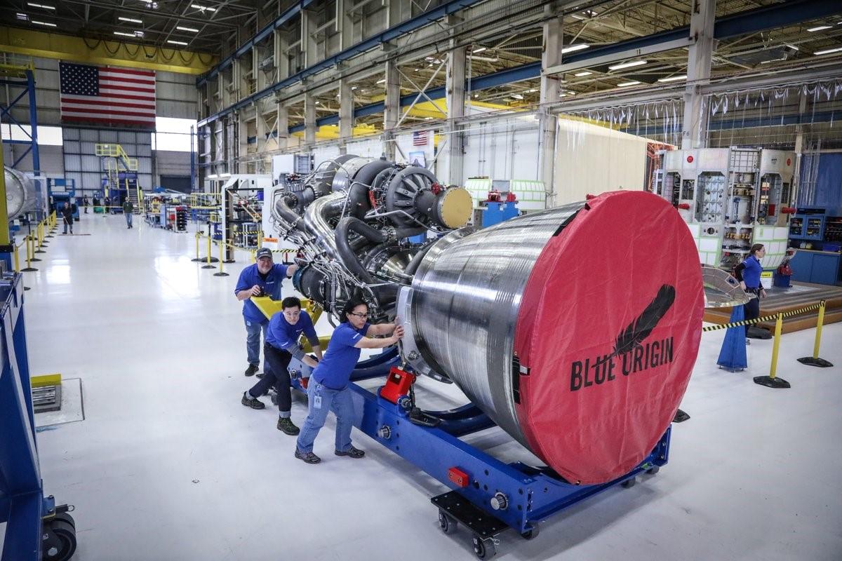 BE-4 at Kent WA factory 2017 (Blue Origin)