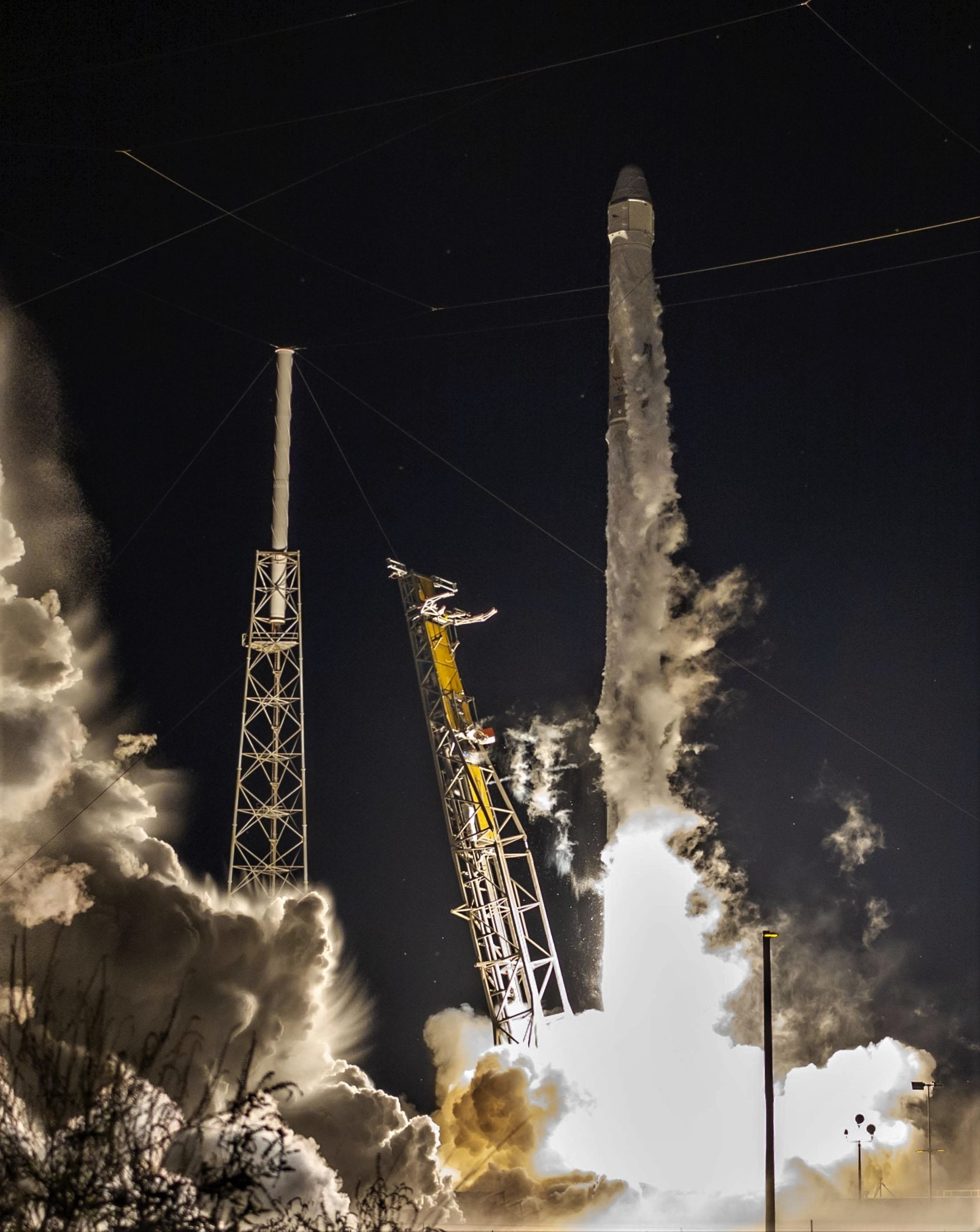 CRS-15 B1045 launch (Tom Cross) 1 close