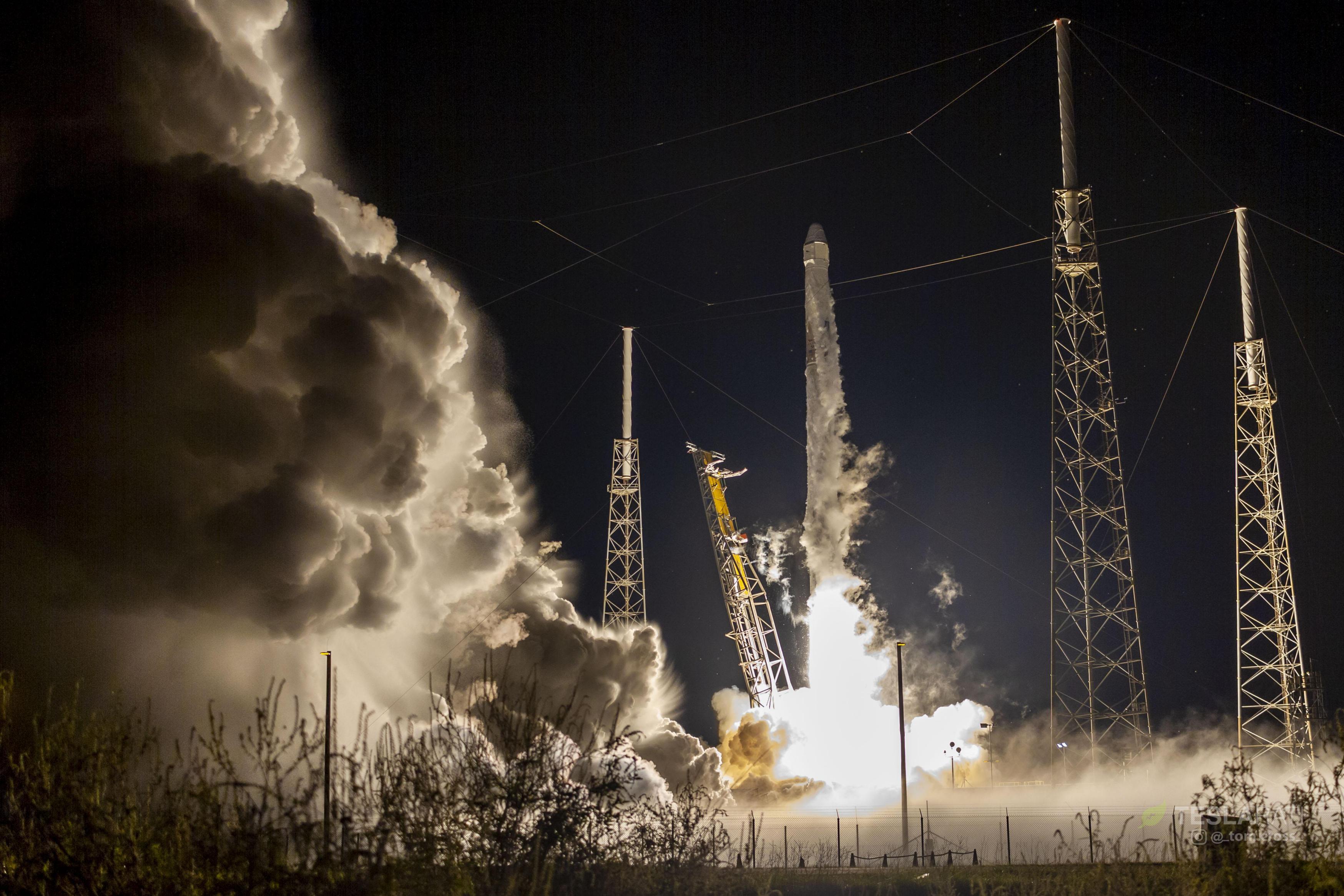 CRS-15 B1045 launch (Tom Cross) 1(c)