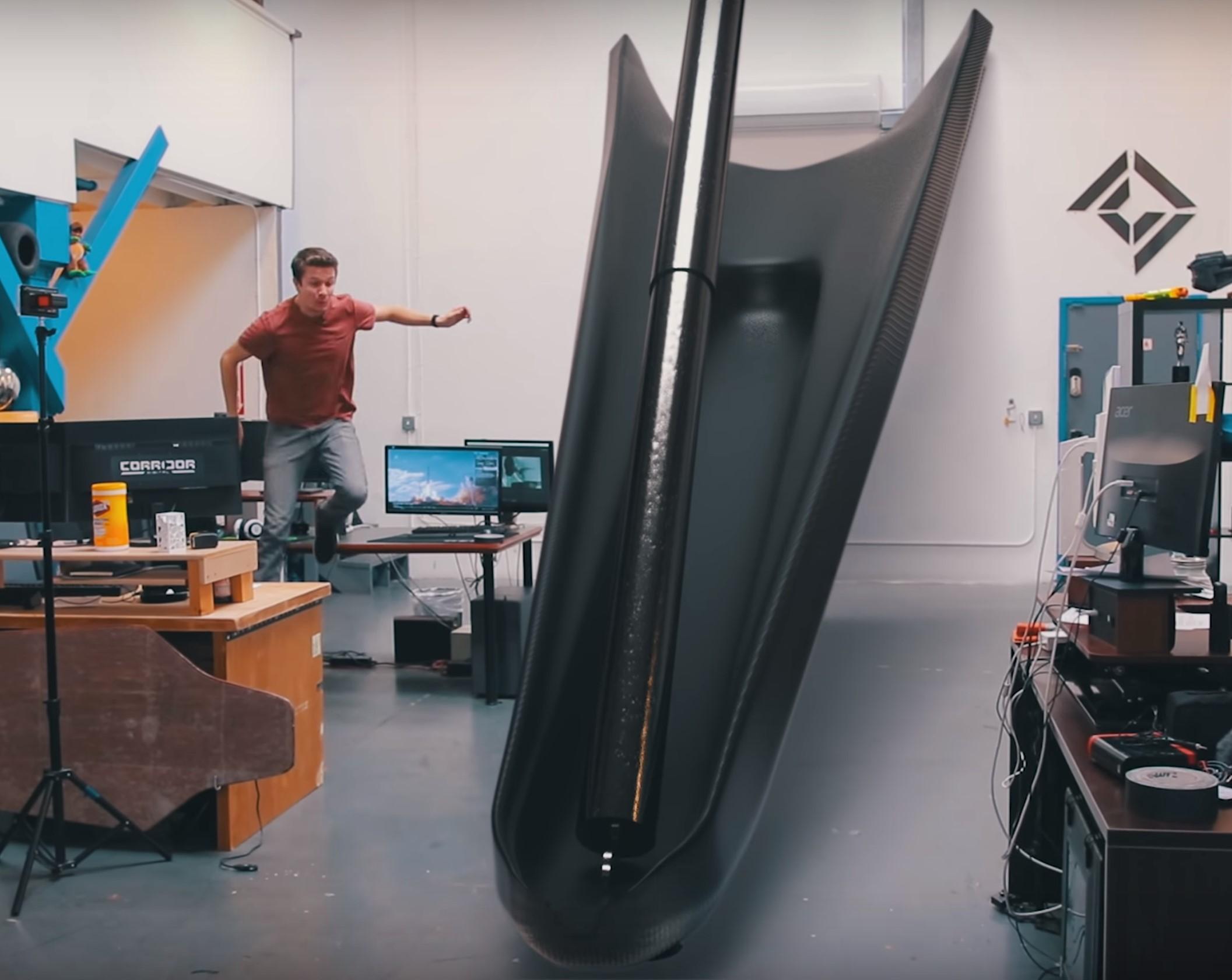 Falcon 9 landing leg scale (sirwrender)