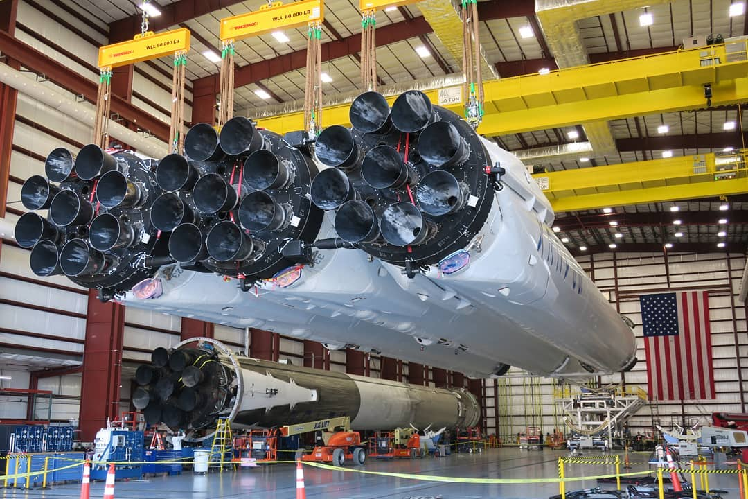 Spacex Wins Us Air Force Contract For Falcon Heavy Launch
