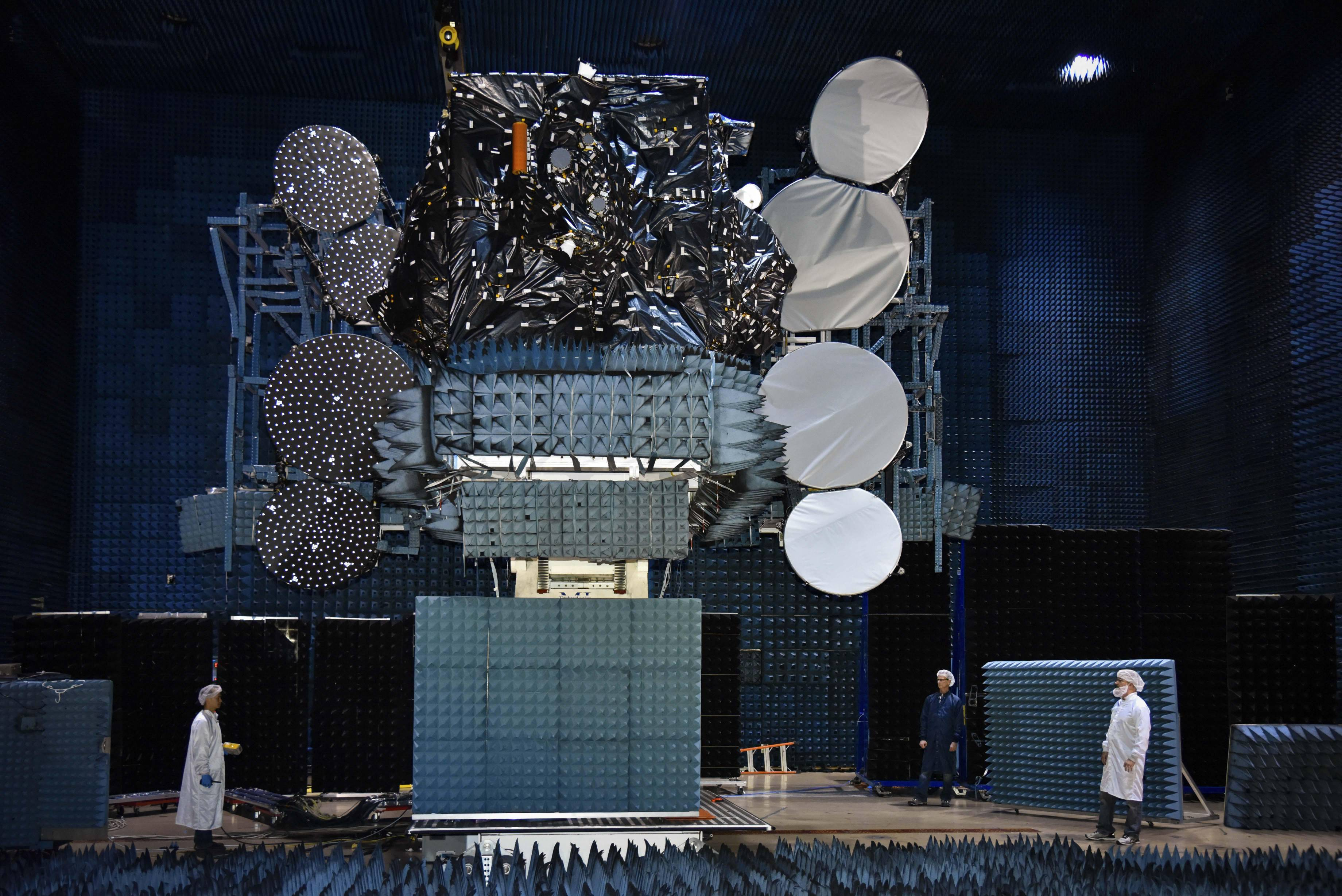 Telstar 19V anechoic chamber tests (SSL)(c)