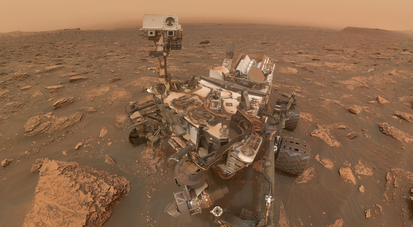 NASA's Curiosity Rover takes valiant selfie as it weathers ...