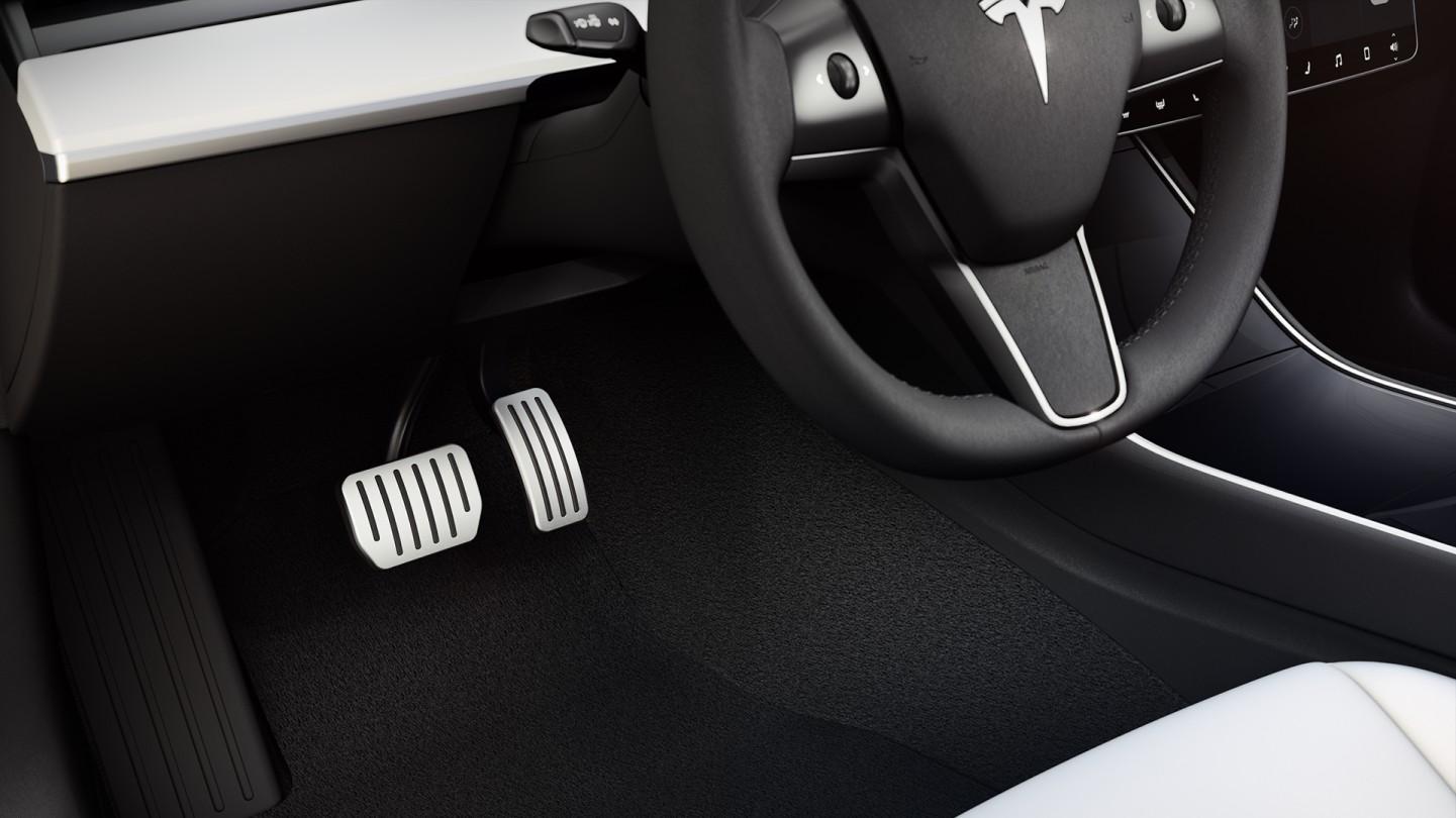 tesla-model-3-performance-aluminum-pedals