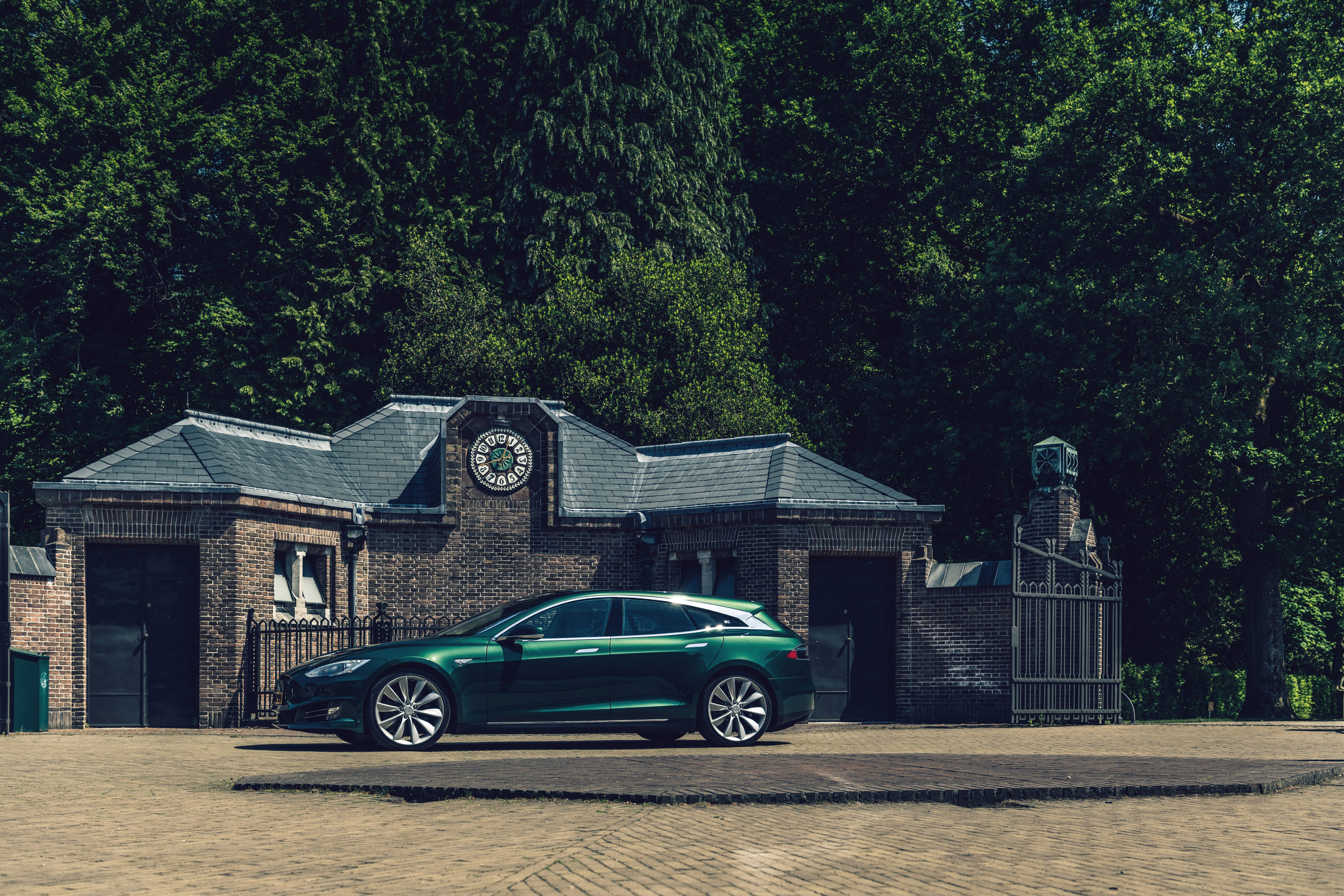 tesla-model-s-shooting-brake-3