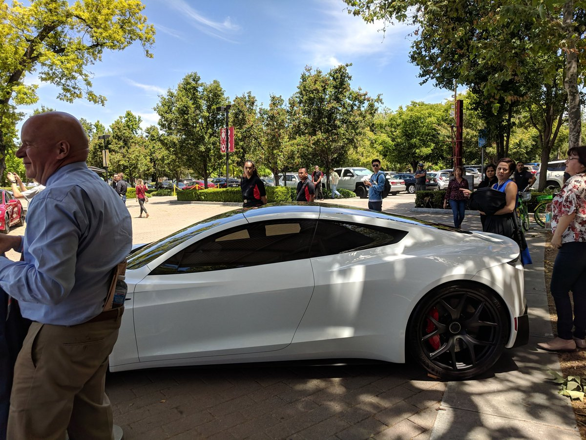 tesla-roadster-2-shareholders-meeting-1