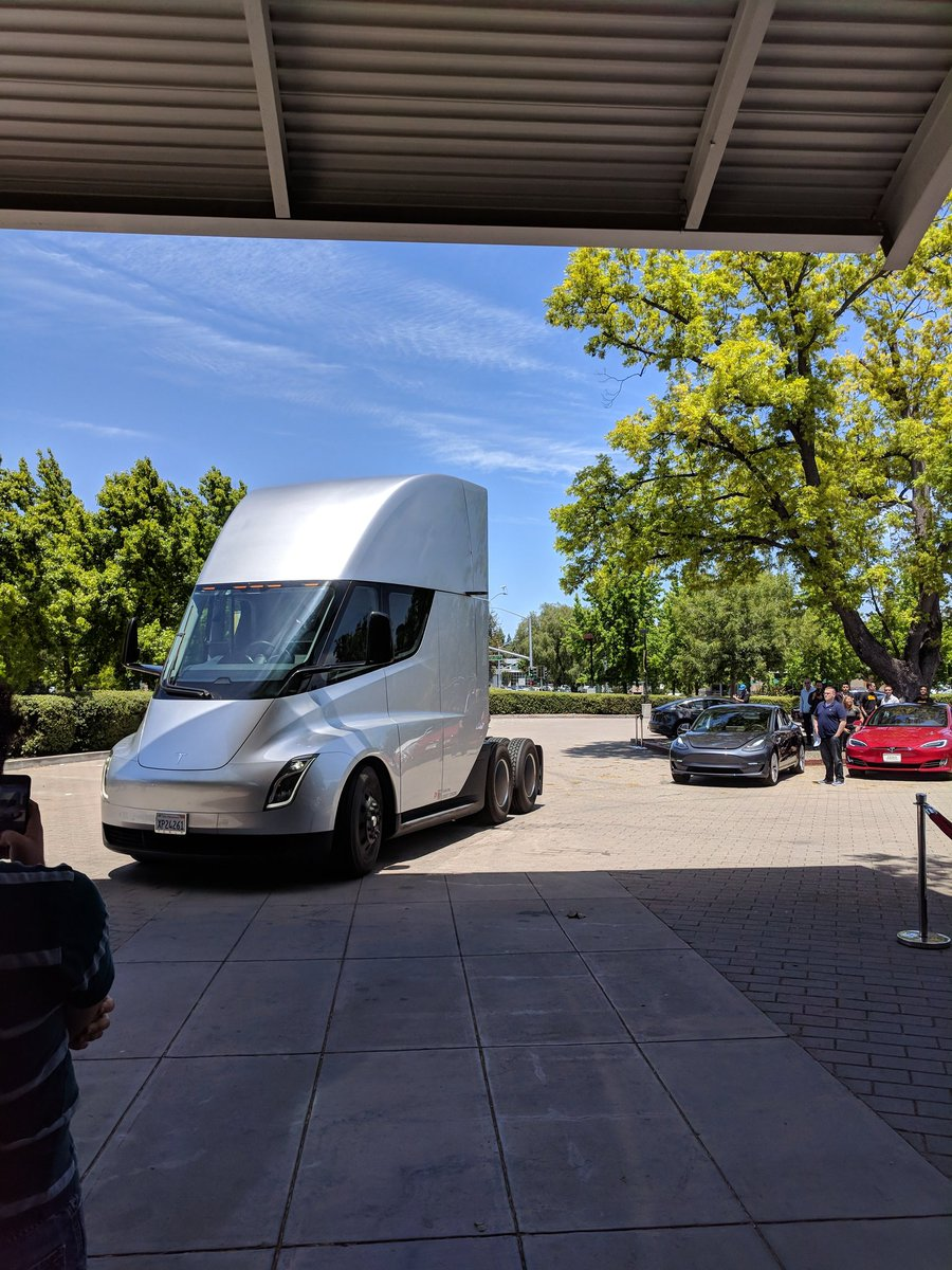 tesla-semi-shareholders-meeting-2