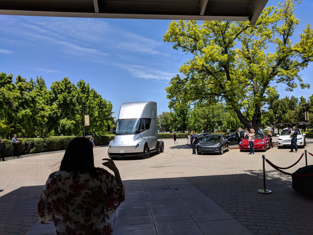 tesla-semi-shareholders-meeting