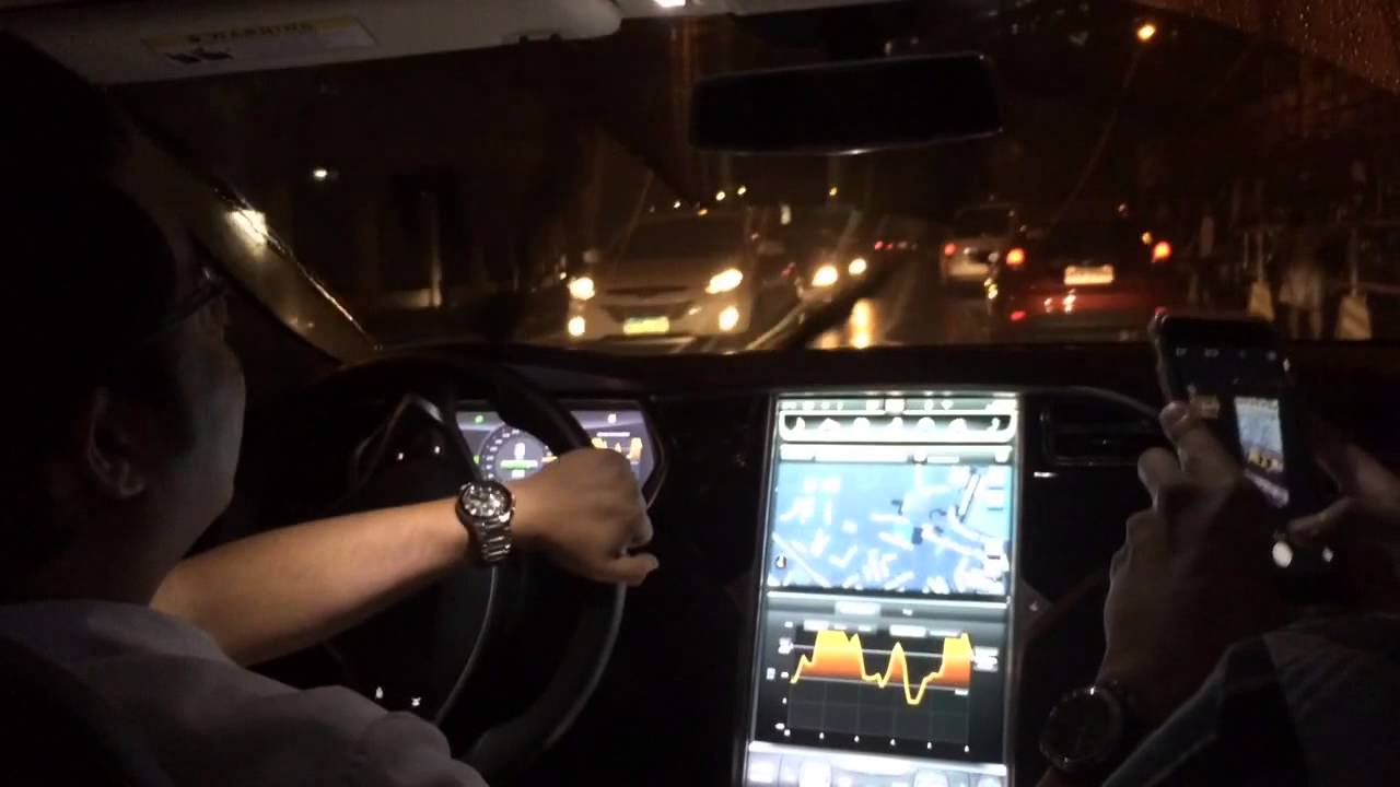 uber-tesla-night-dash
