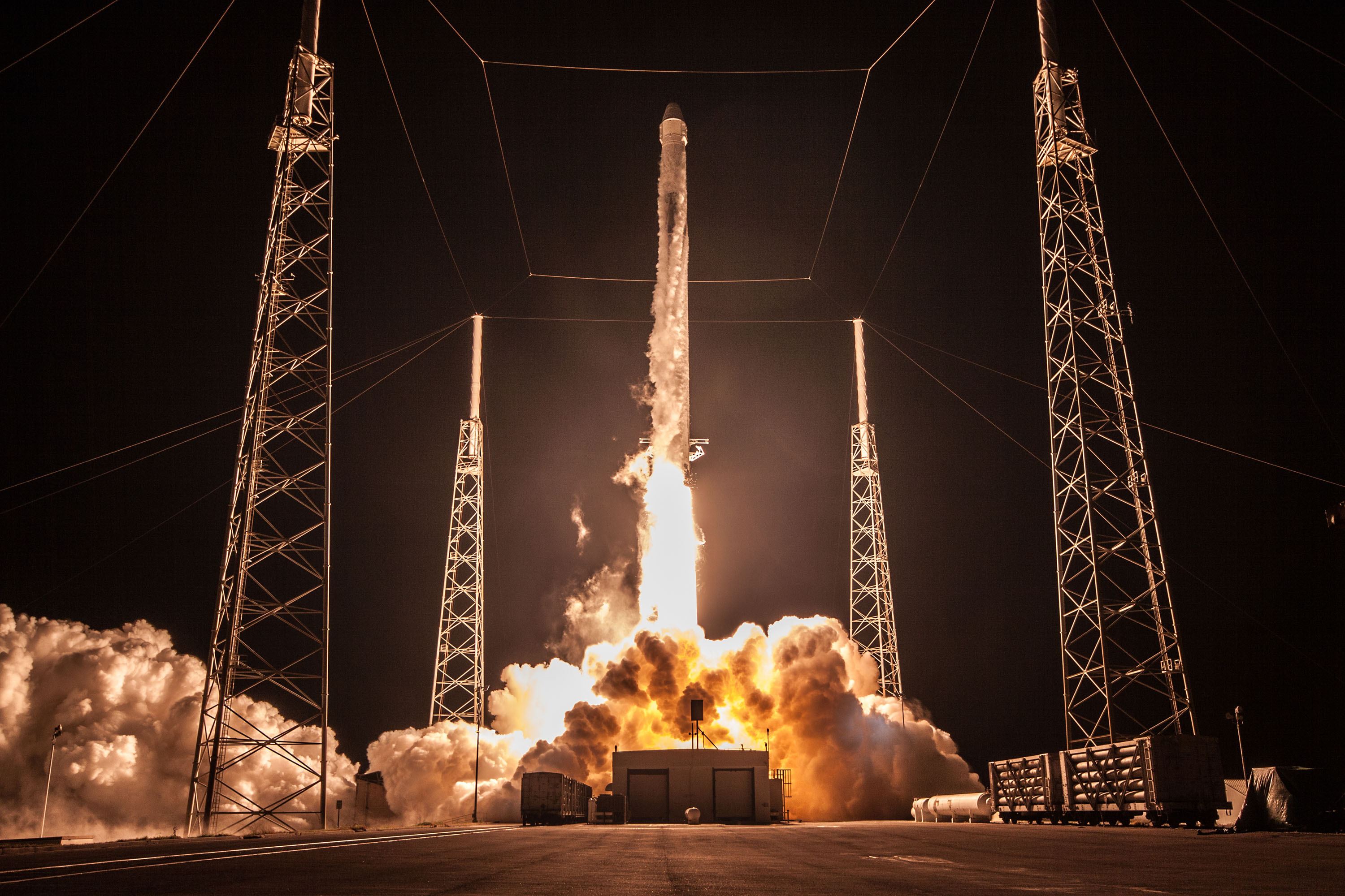 CRS-15 B1045 launch (SpaceX) 4