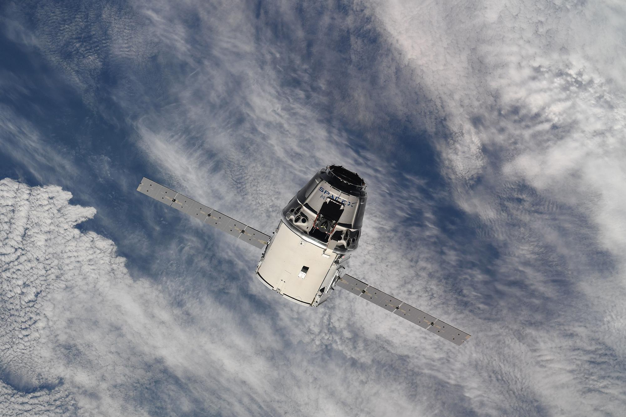 CRS-15 ISS arrival 070218 (Oleg Artemiev) 4