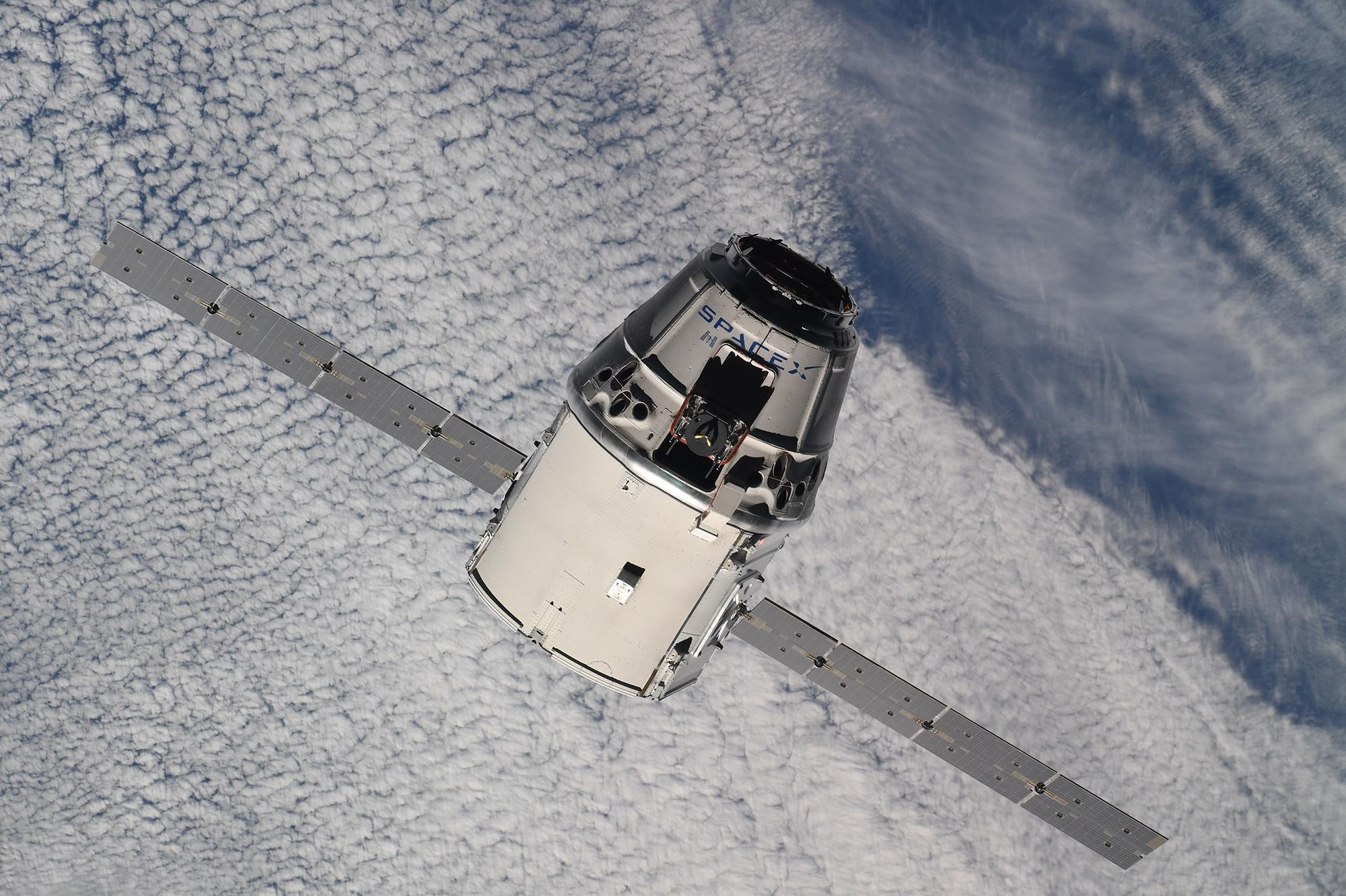 CRS-15 ISS arrival 070218 (Oleg Artemiev) 5
