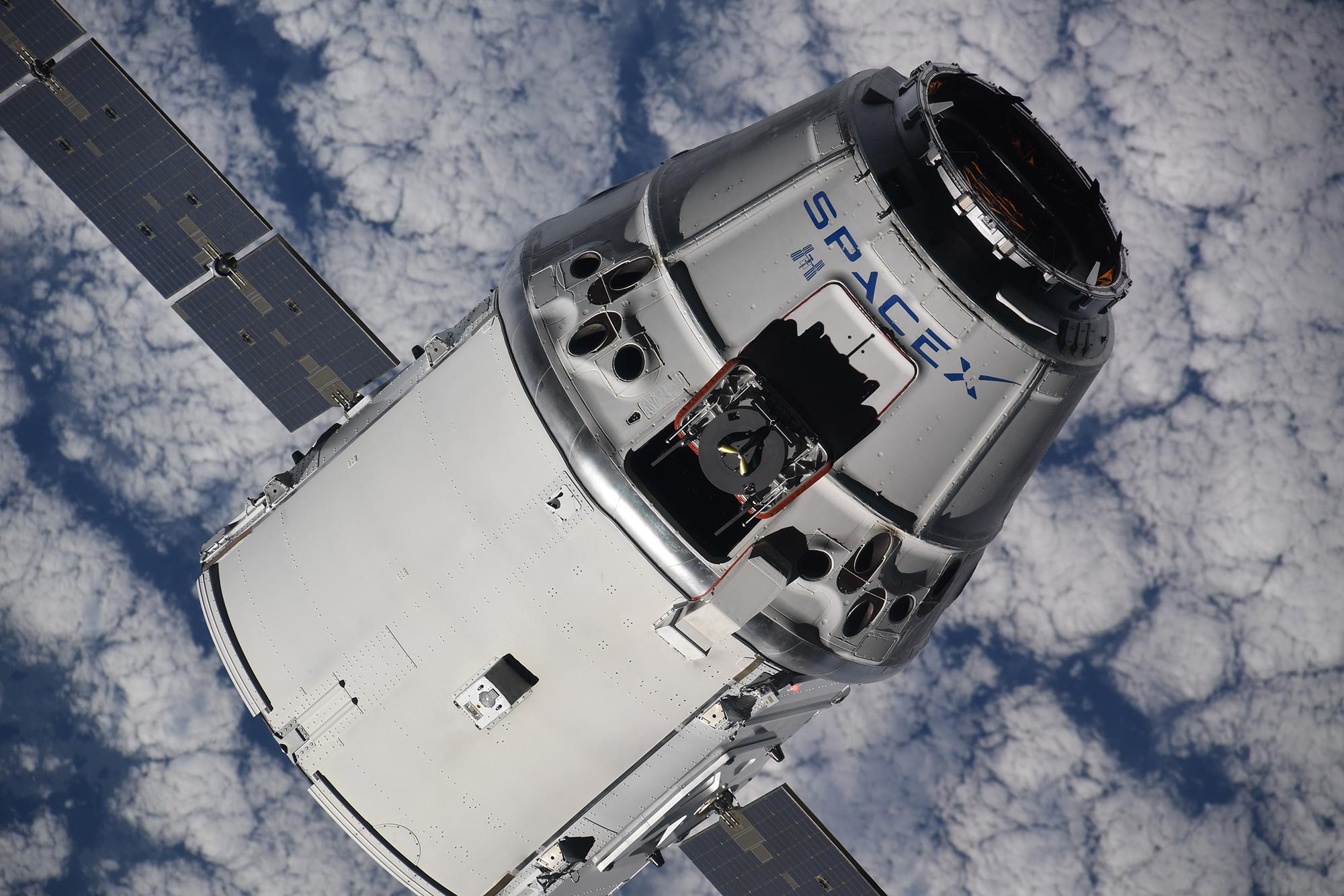 CRS-15 ISS arrival 070218 (Oleg Artemiev) 6