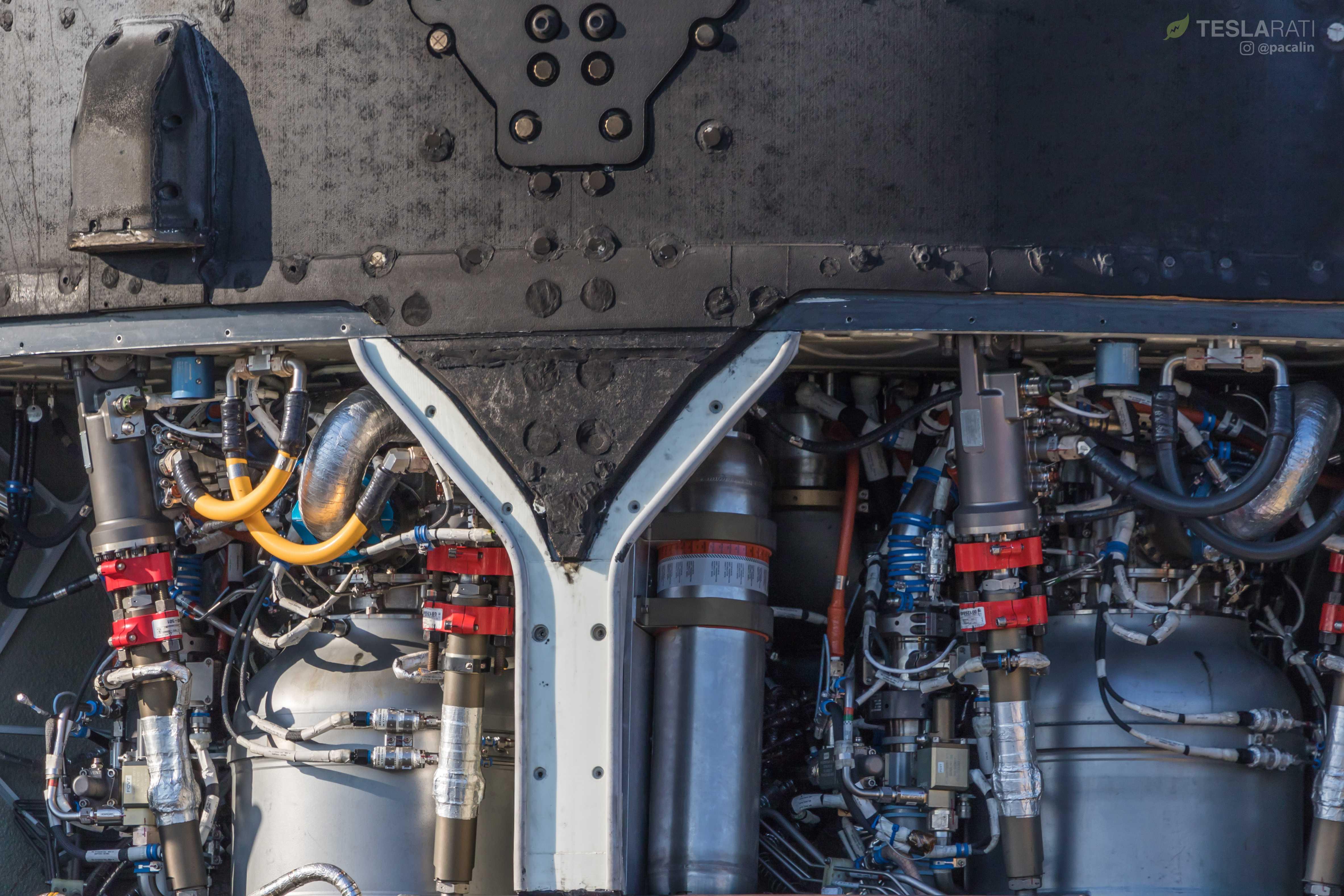 F9 B1048 engine bay and octaweb (Pauline Acalin) (20)(c)