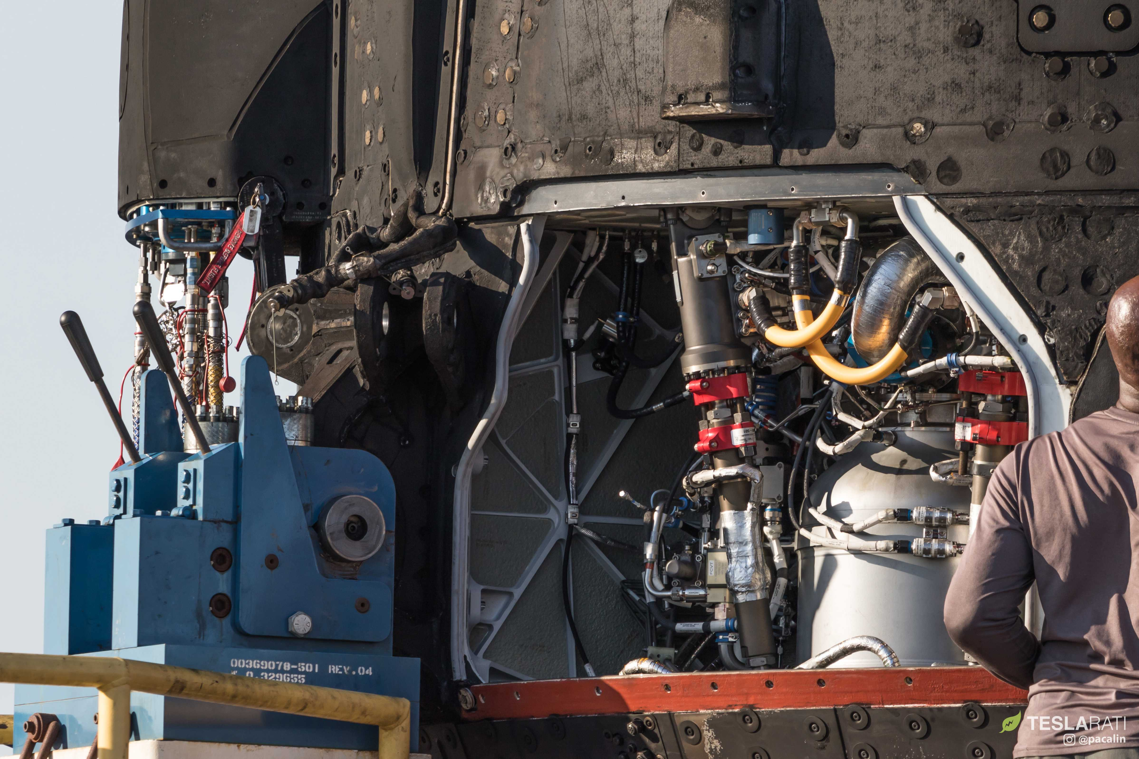 F9 B1048 engine bay and octaweb (Pauline Acalin) (23)(c)