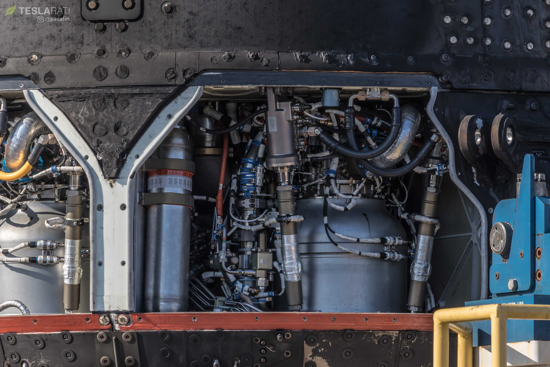 F9 B1048 engine bay and octaweb (Pauline Acalin) (9)(c)